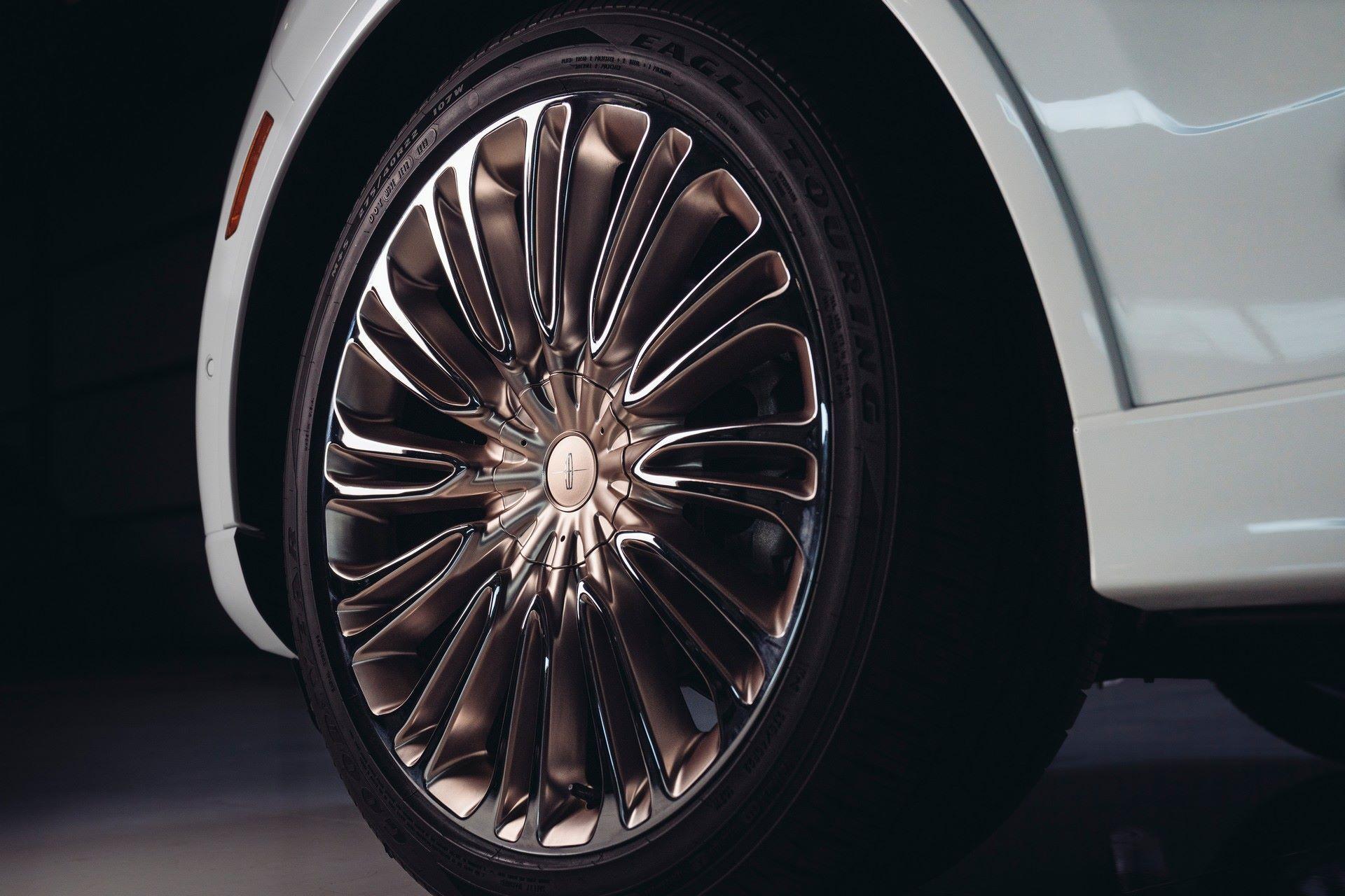 Lincoln-Aviator-Shinola-Concept-20