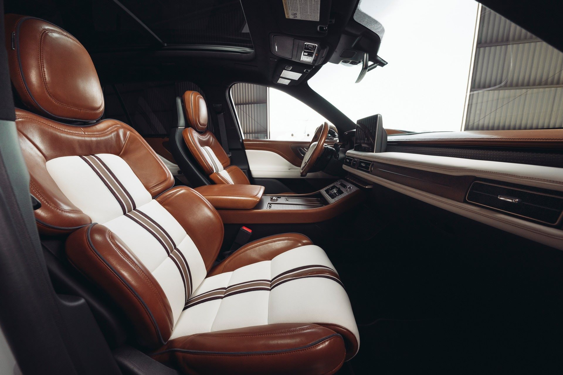 Lincoln-Aviator-Shinola-Concept-4