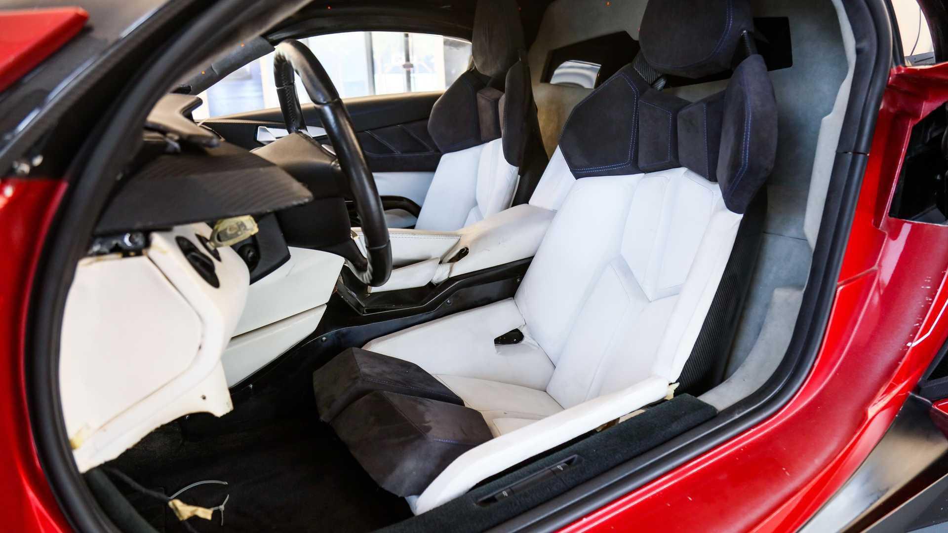 Lykan_HyperSport_stunt_car_sale-0015