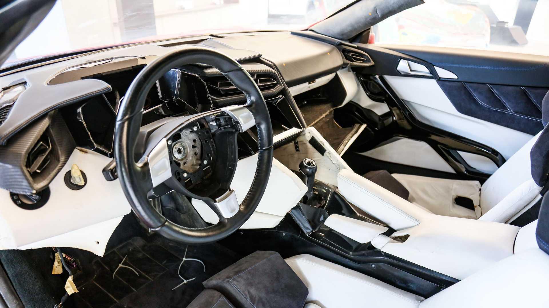 Lykan_HyperSport_stunt_car_sale-0016