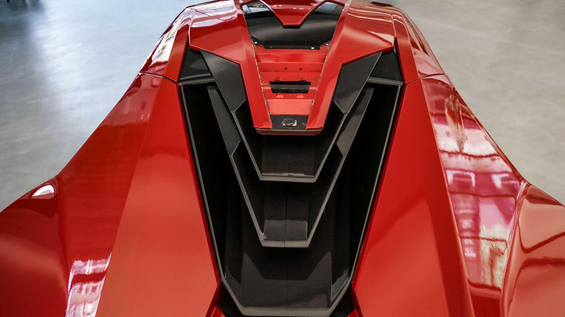 Lykan_HyperSport_stunt_car_sale-0017