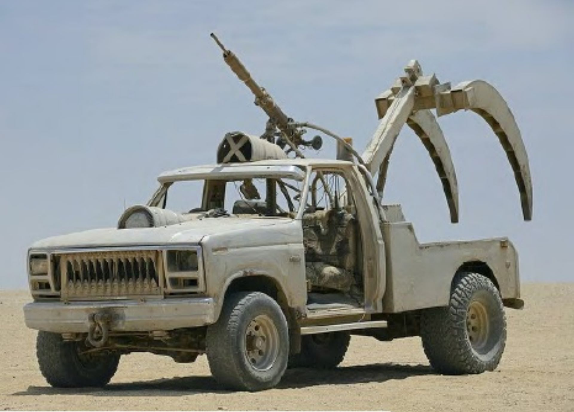 Mad-Max-Fury-Road-cars-for-sale-5