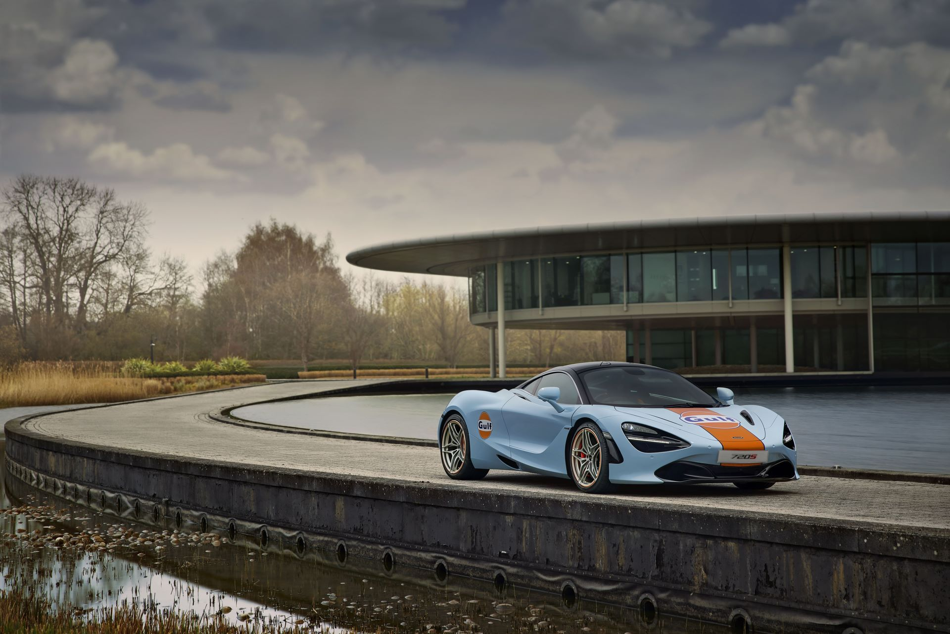 McLaren-720S-with-Gulf-livery-7