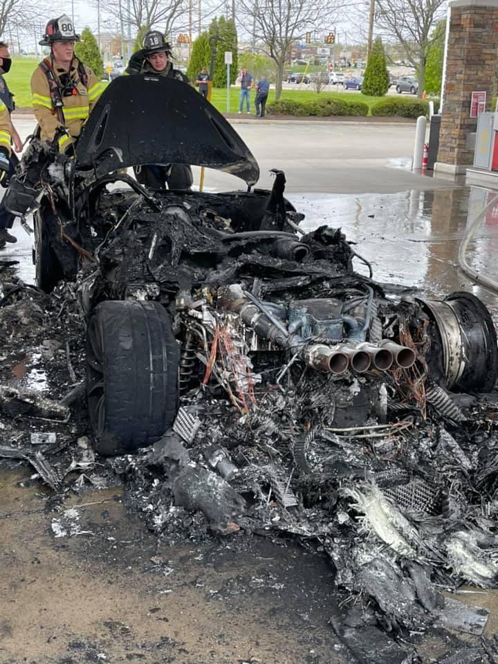 McLaren_765LT_fire-0002