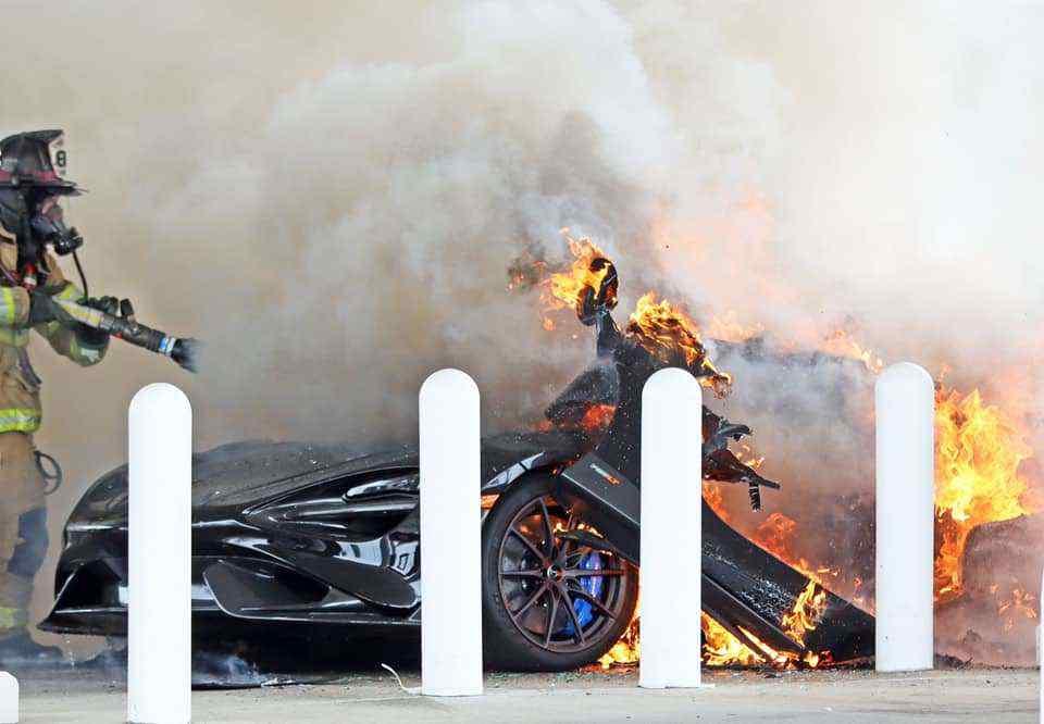 McLaren_765LT_fire-0010
