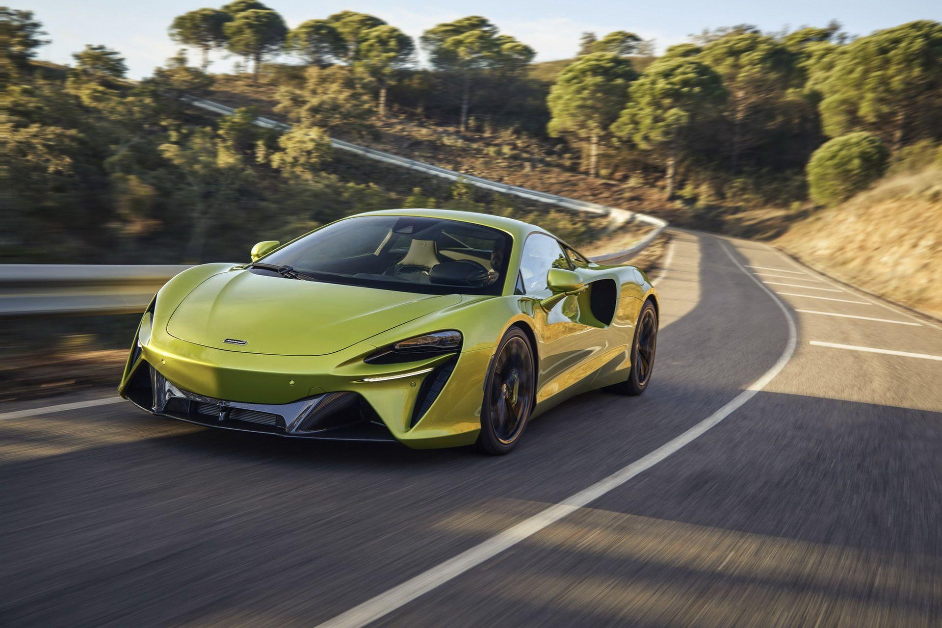 McLaren-Artura-1