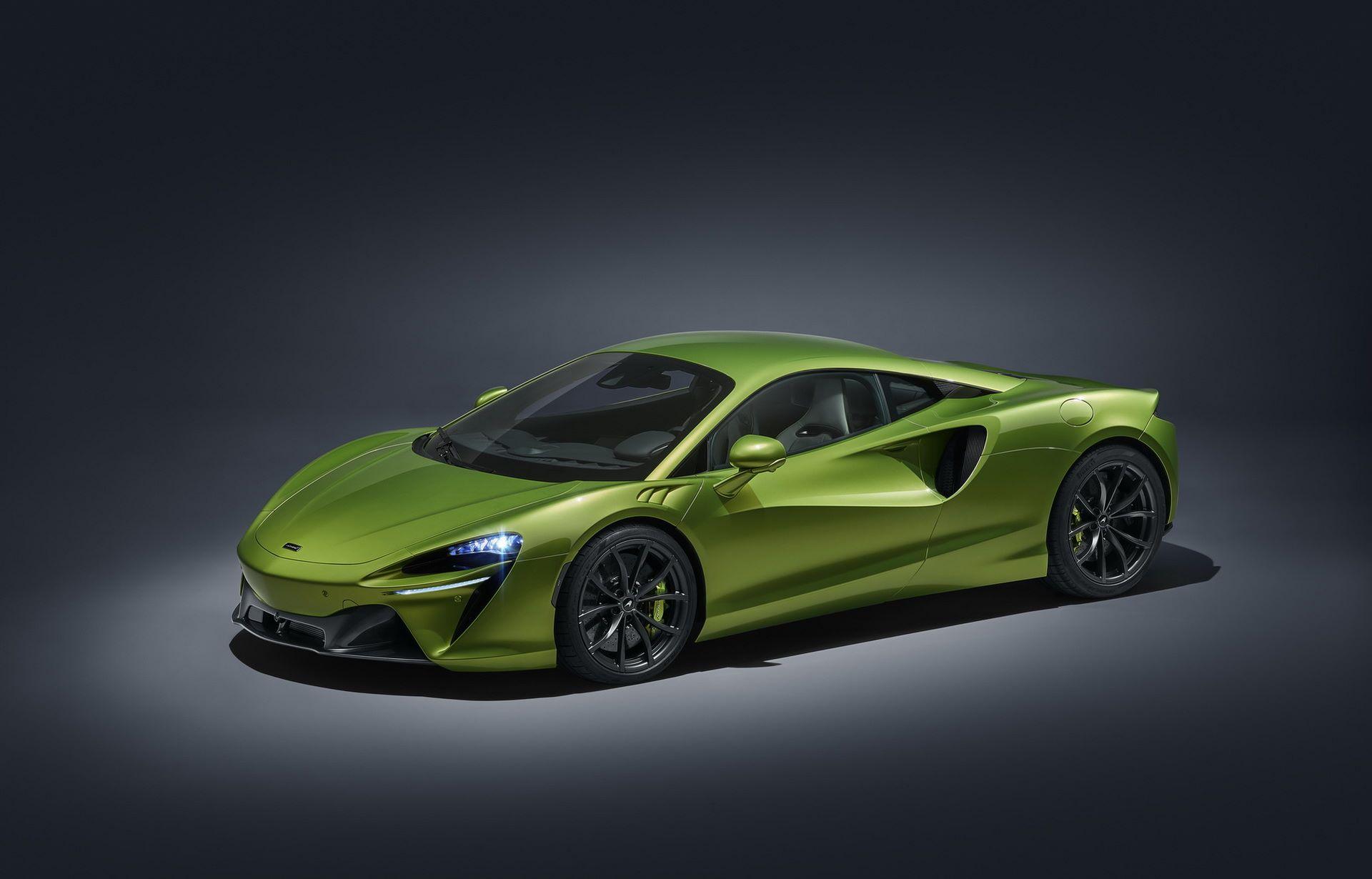 McLaren-Artura-12