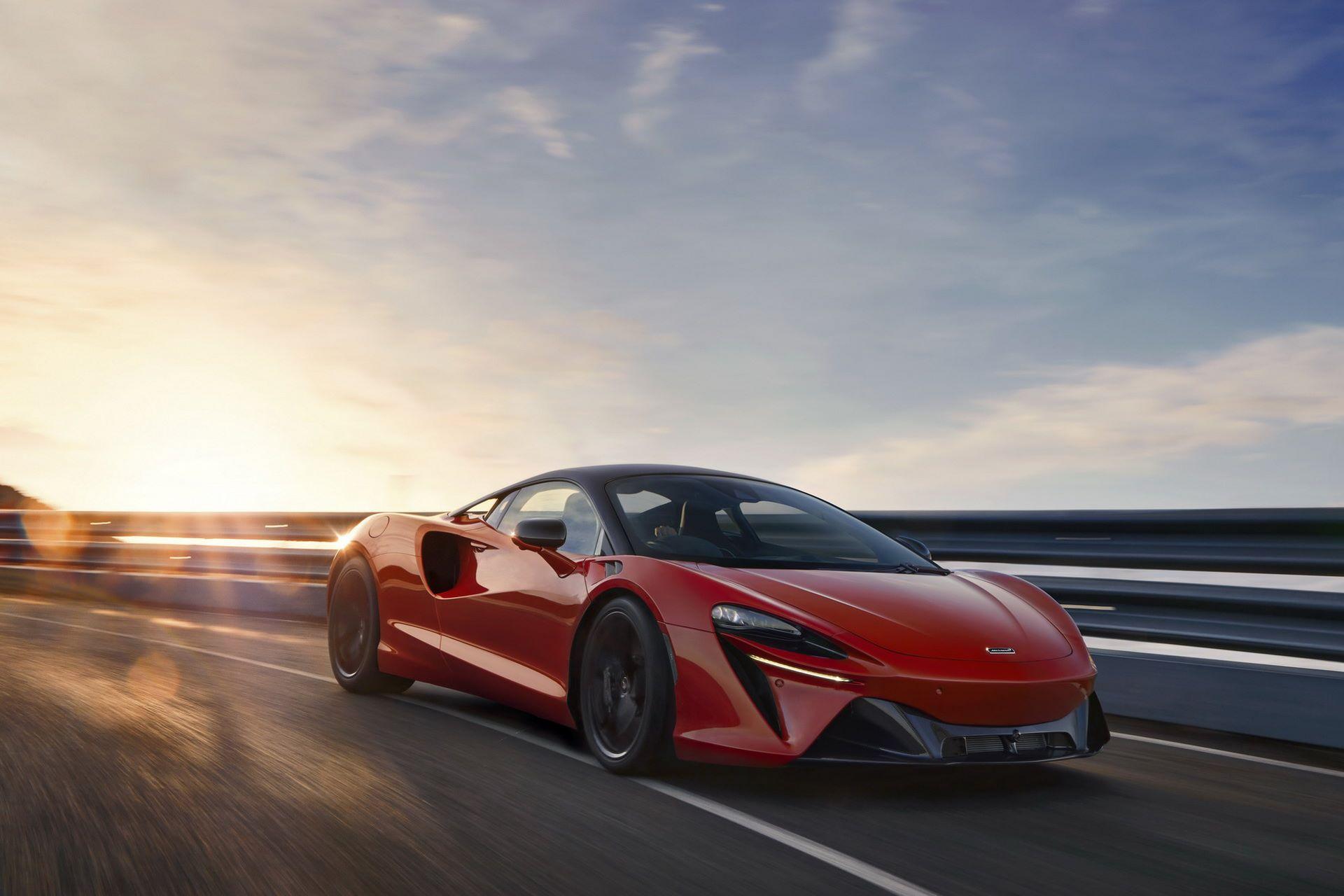 McLaren-Artura-25