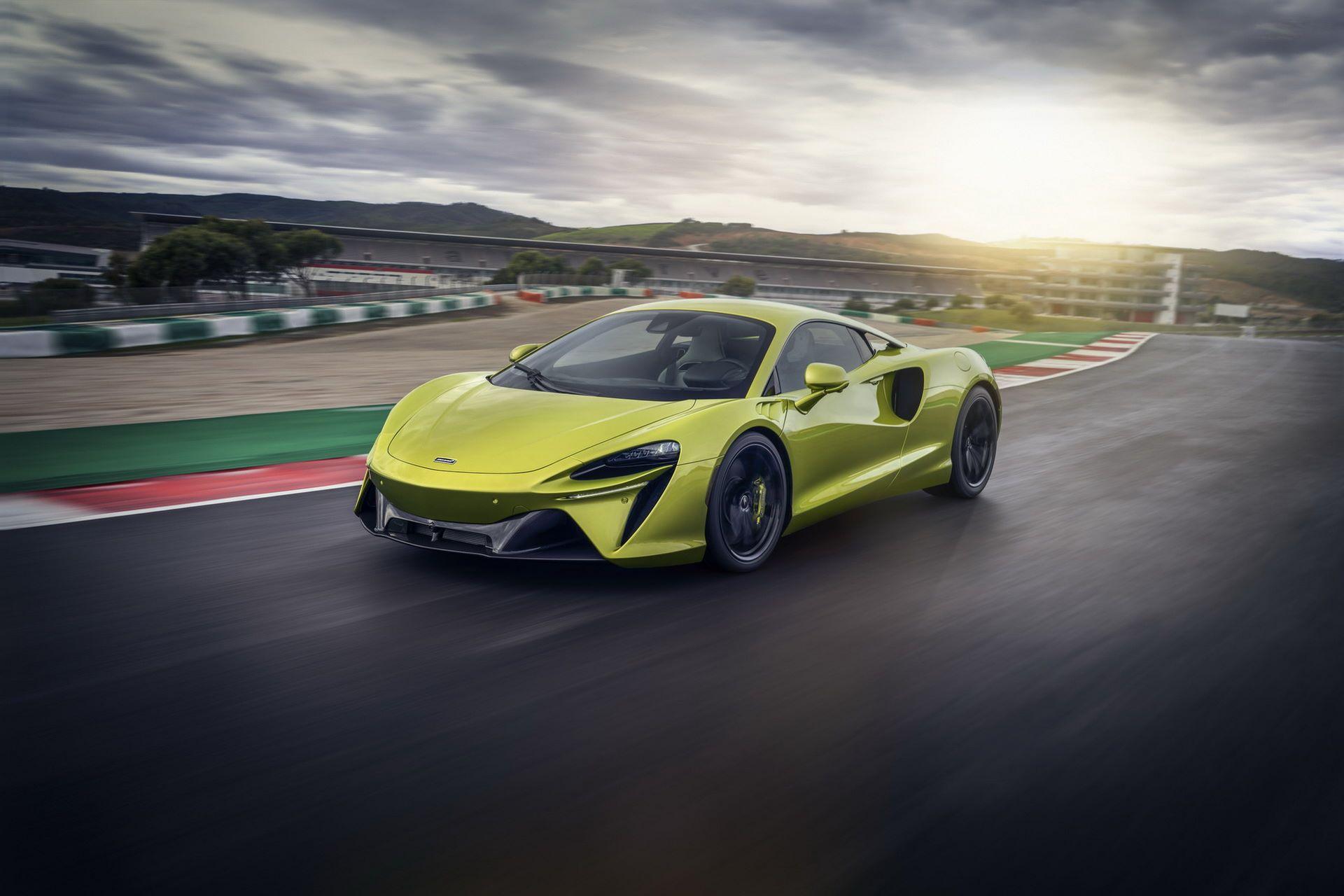 McLaren-Artura-3