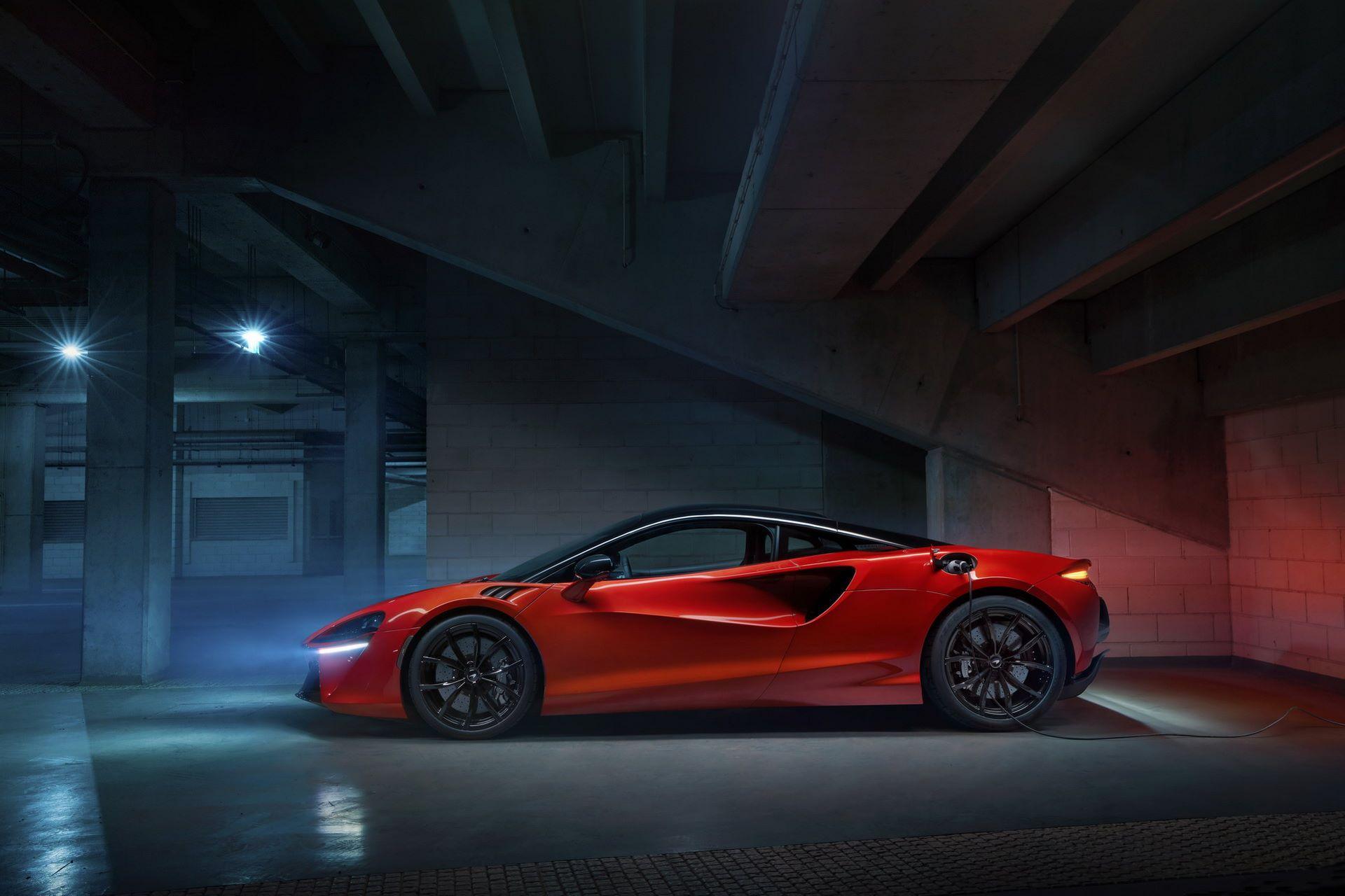 McLaren-Artura-30