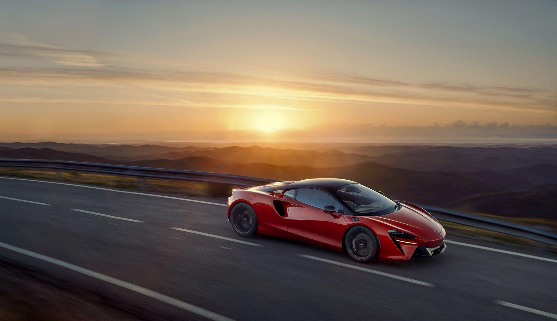McLaren-Artura-31