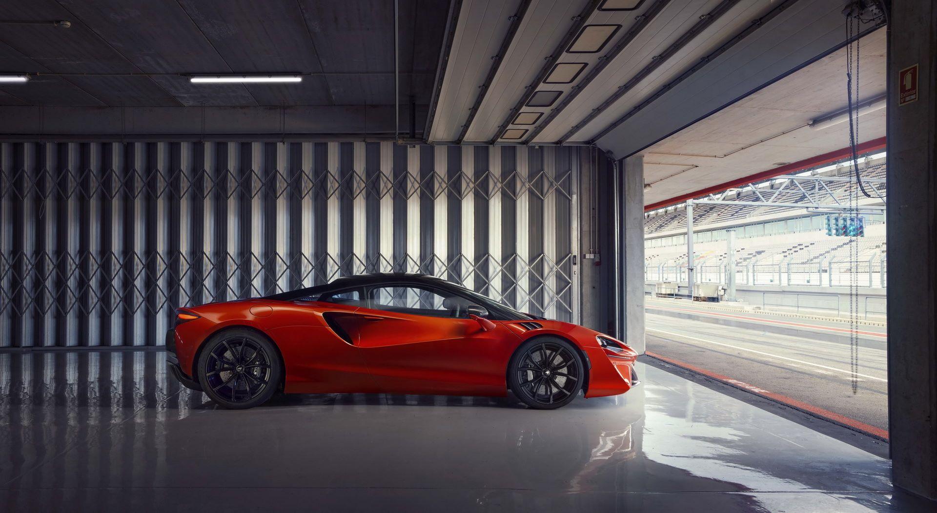 McLaren-Artura-35