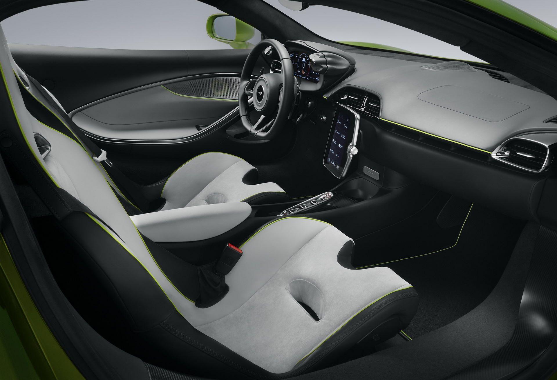 McLaren-Artura-42