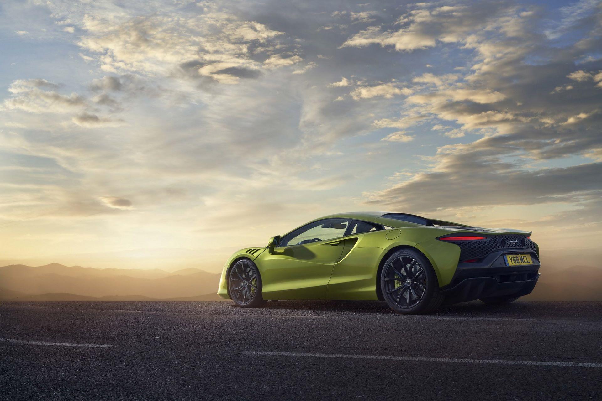 McLaren-Artura-5