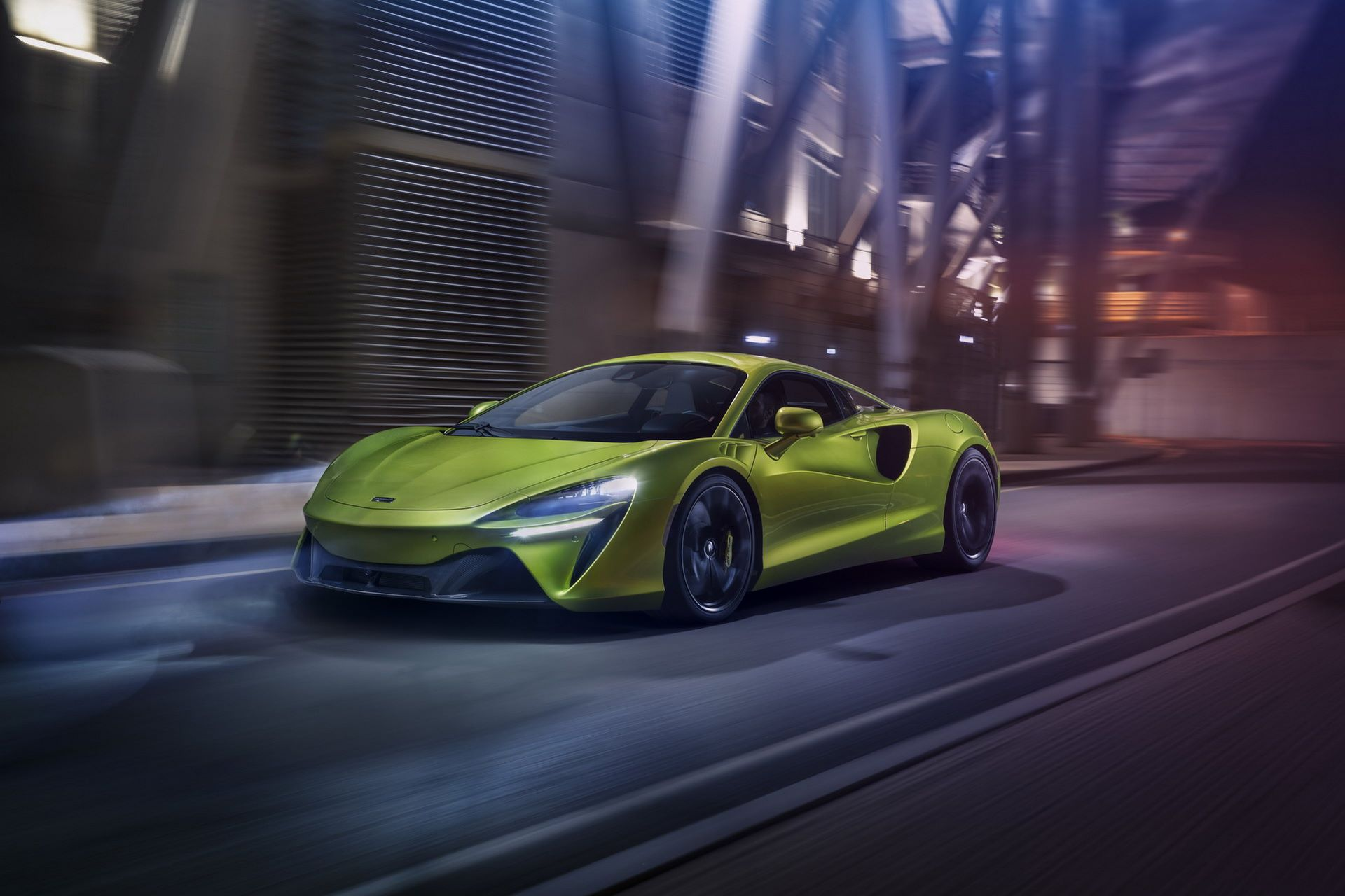 McLaren-Artura-8
