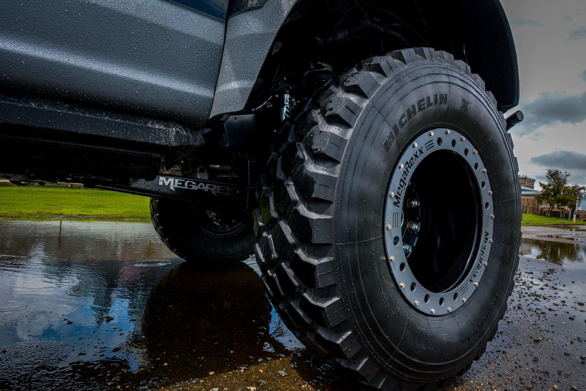 MegaRaptor-by-Megarexx-Trucks-15