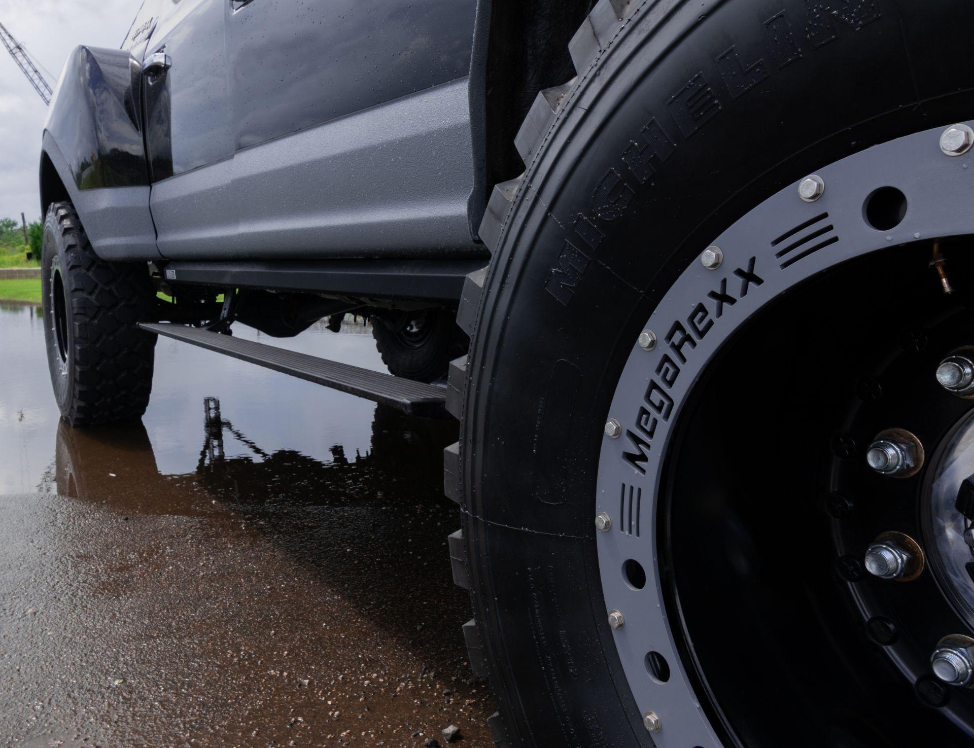 MegaRaptor-by-Megarexx-Trucks-16