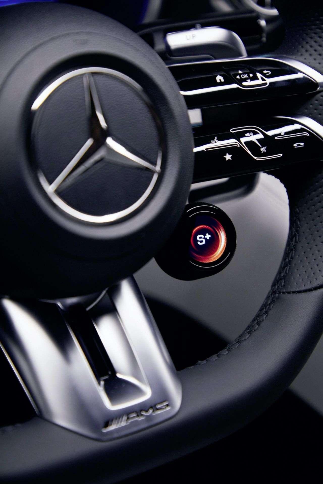 2023-Mercedes-AMG-SL-14_1920x2880