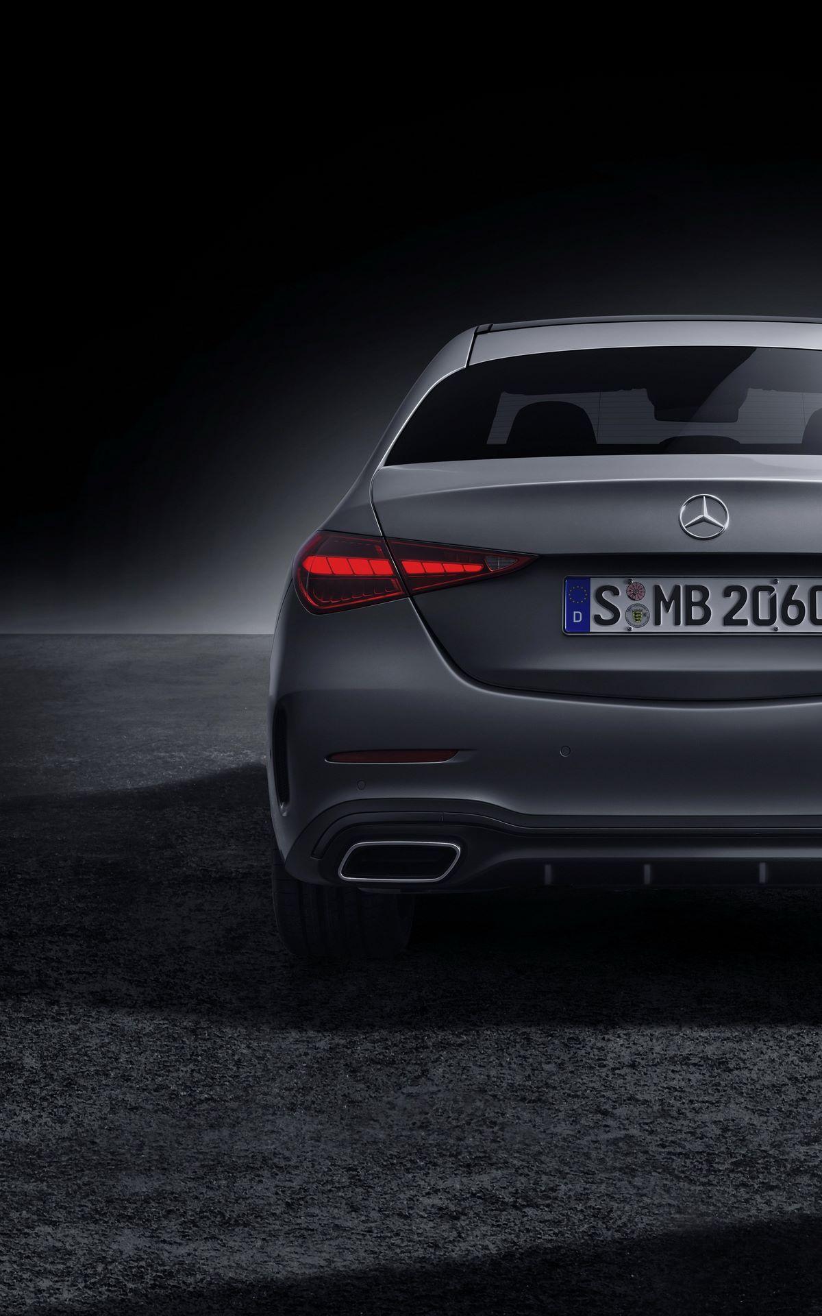 Mercedes-C-Class-2021-103