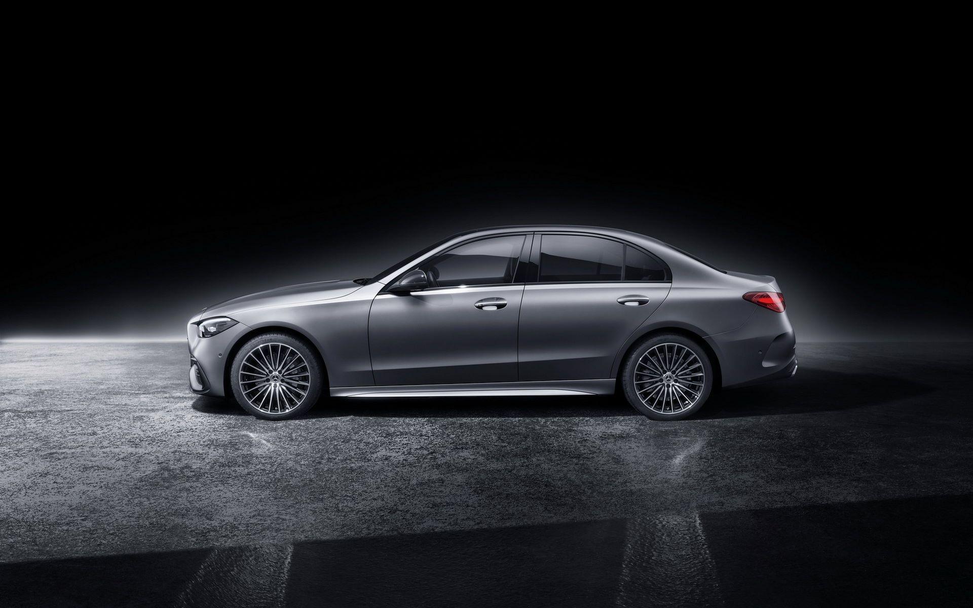 Mercedes-C-Class-2021-120