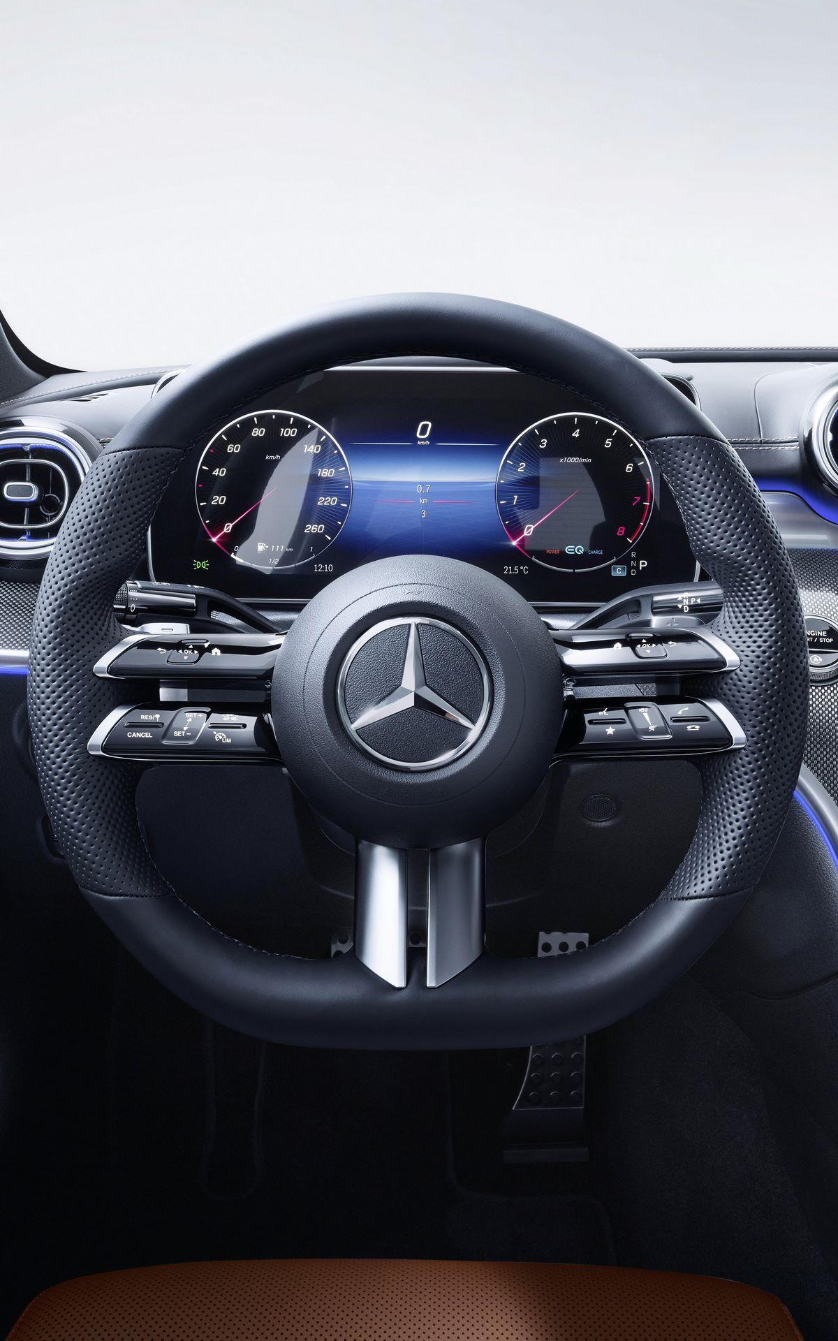 Mercedes-C-Class-2021-132