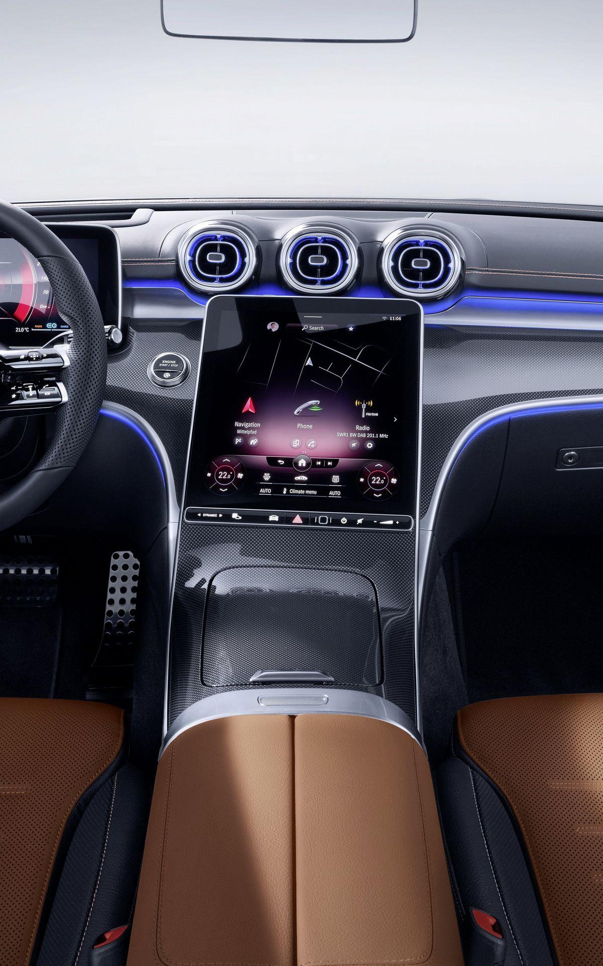 Mercedes-C-Class-2021-136
