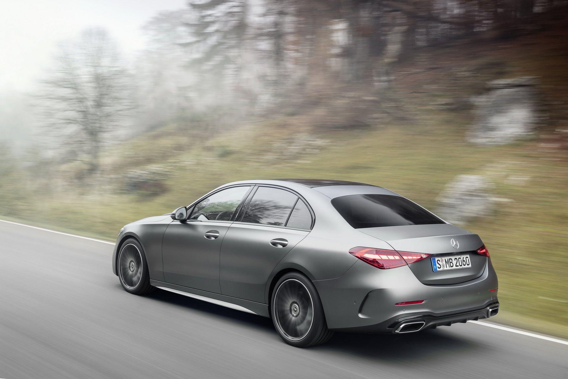 Mercedes-C-Class-2021-15