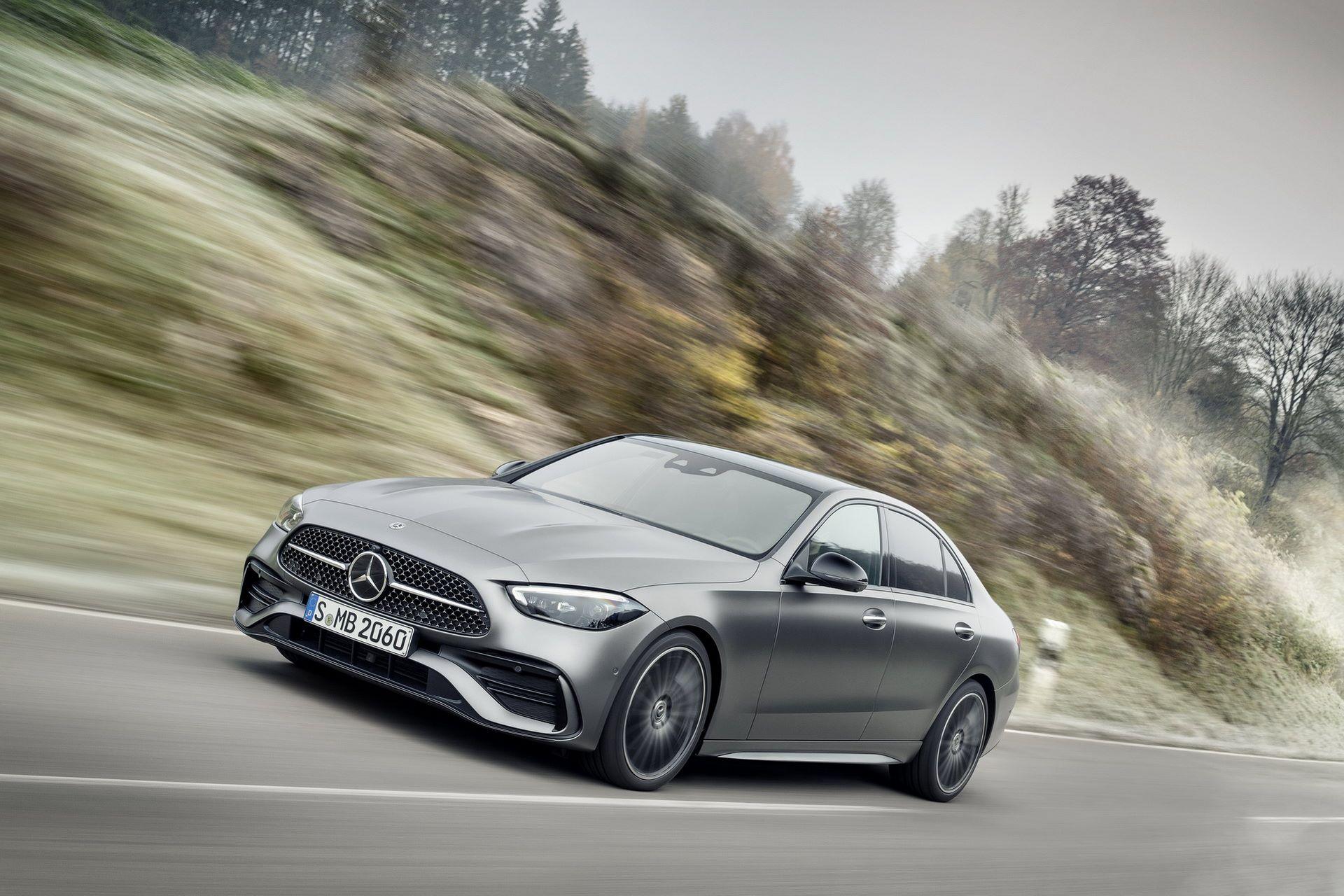 Mercedes-C-Class-2021-16