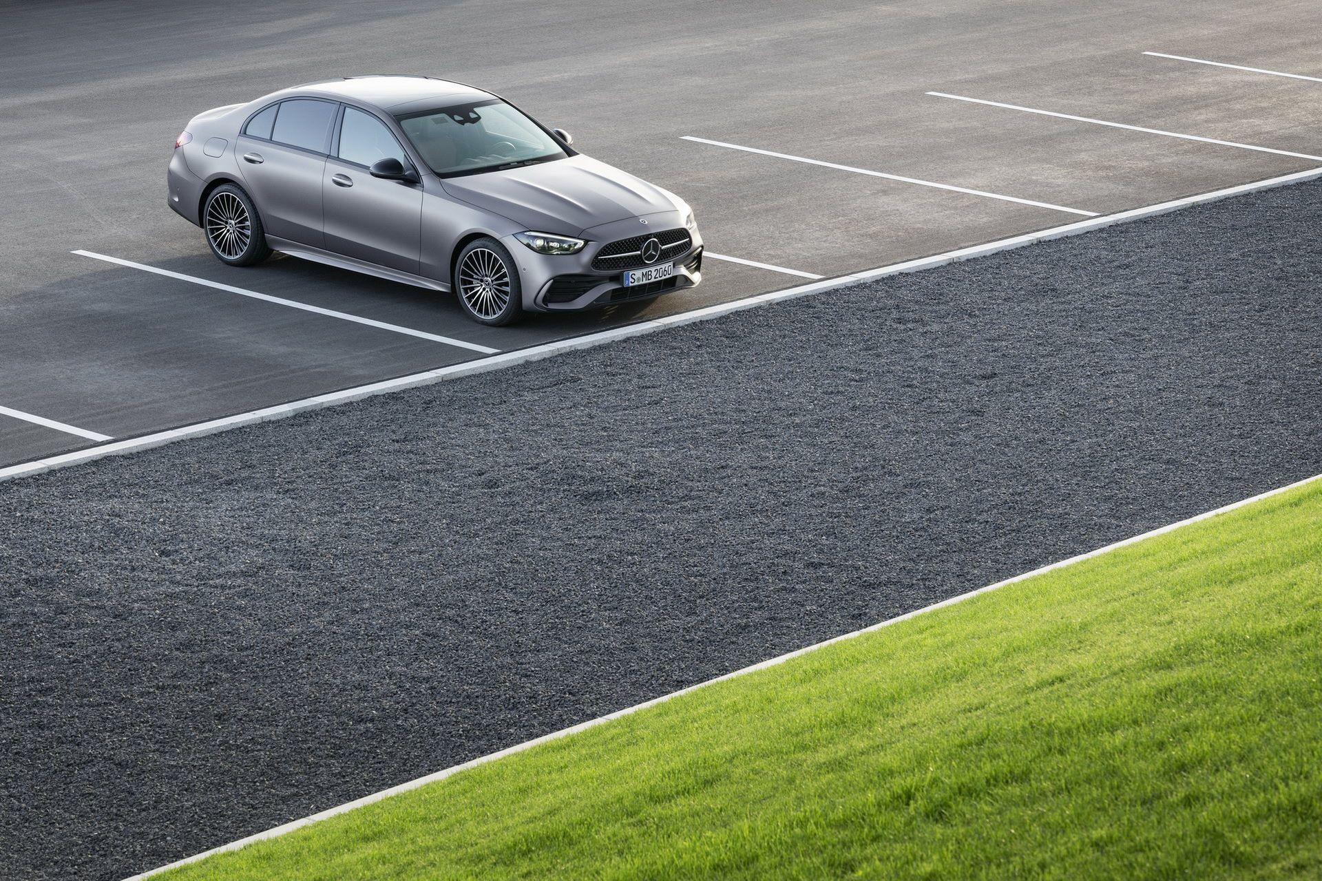 Mercedes-C-Class-2021-23