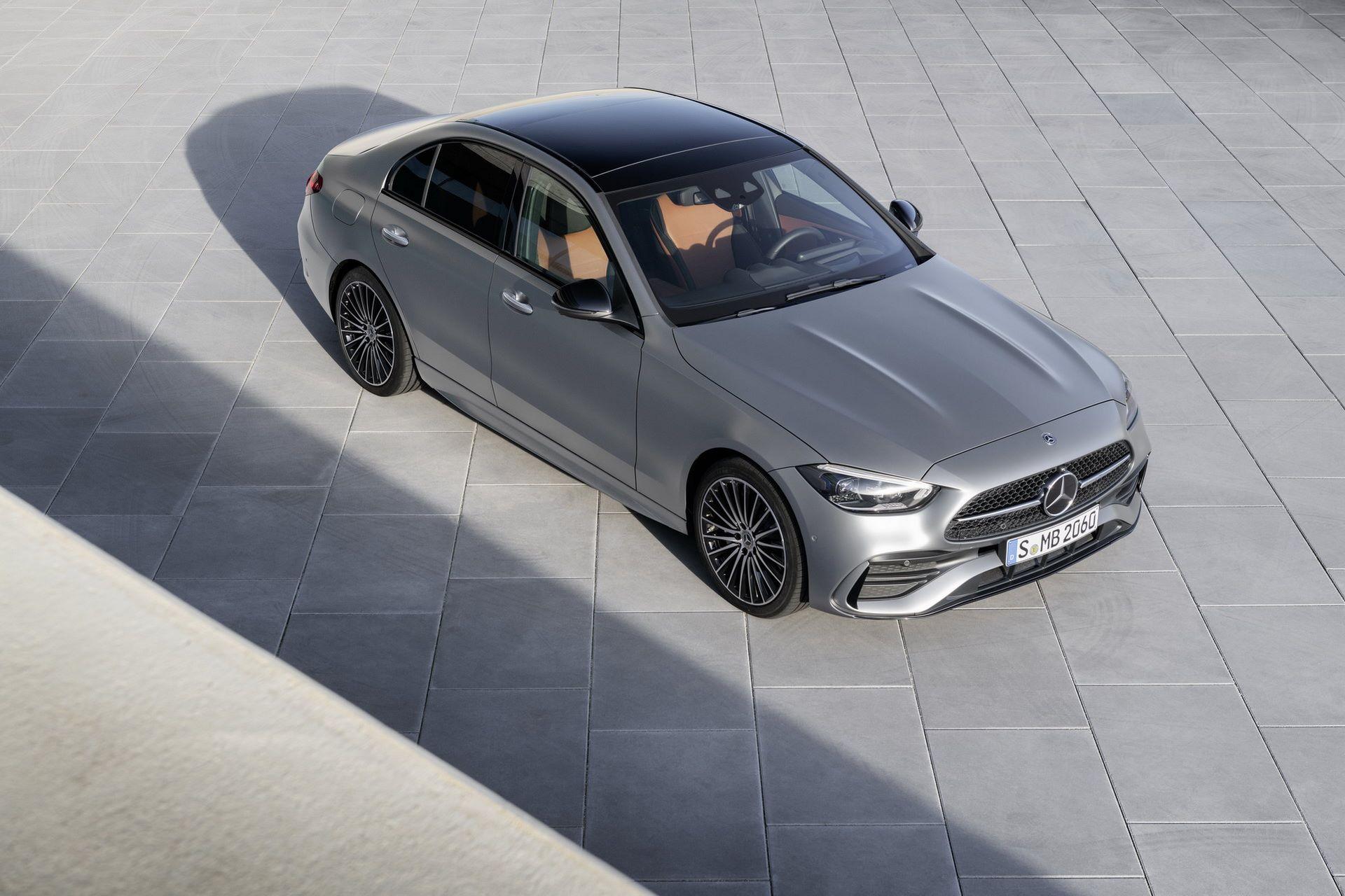 Mercedes-C-Class-2021-24