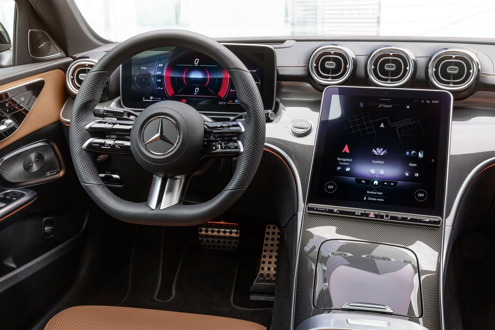 Mercedes-C-Class-2021-27