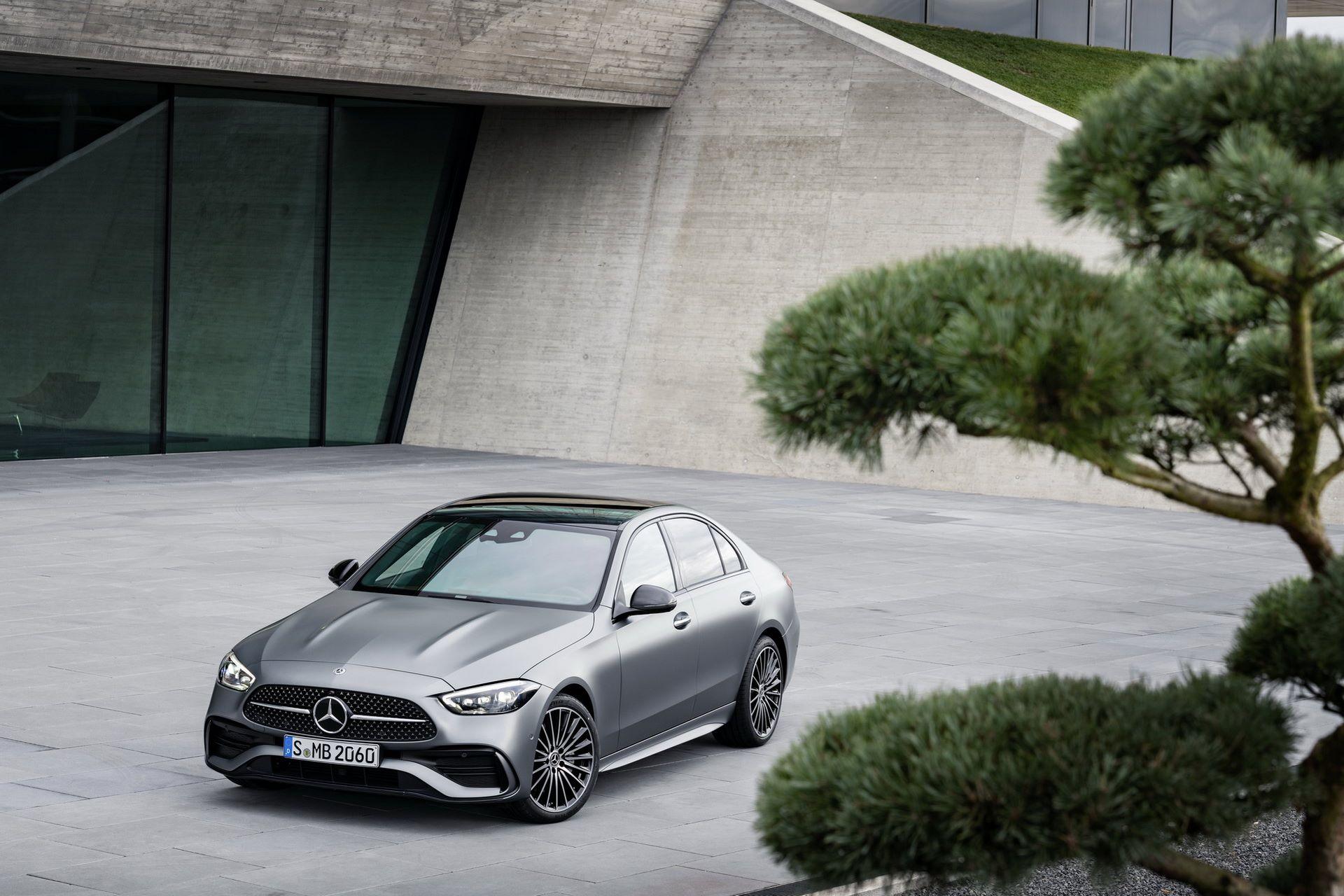 Mercedes-C-Class-2021-3