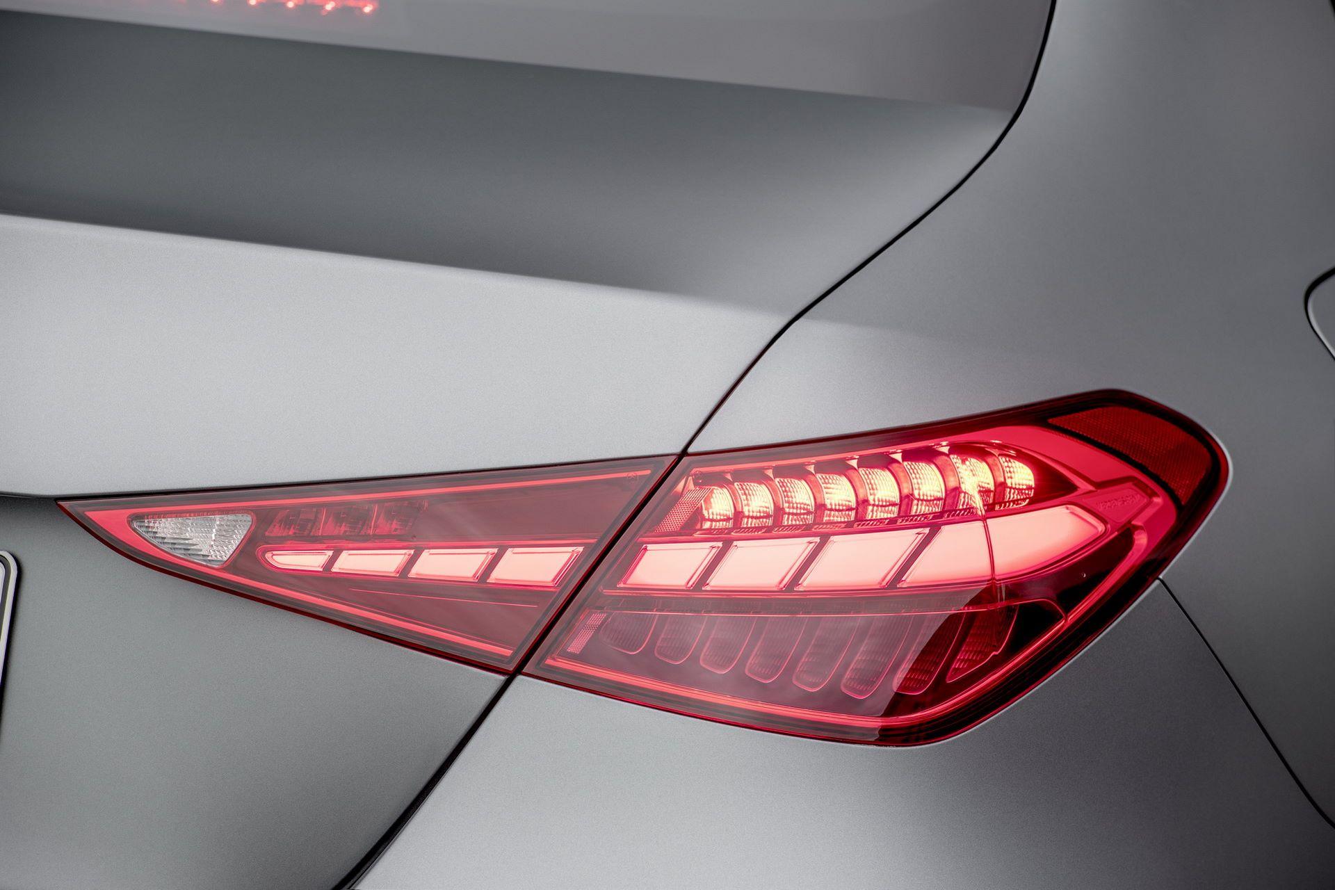Mercedes-C-Class-2021-36
