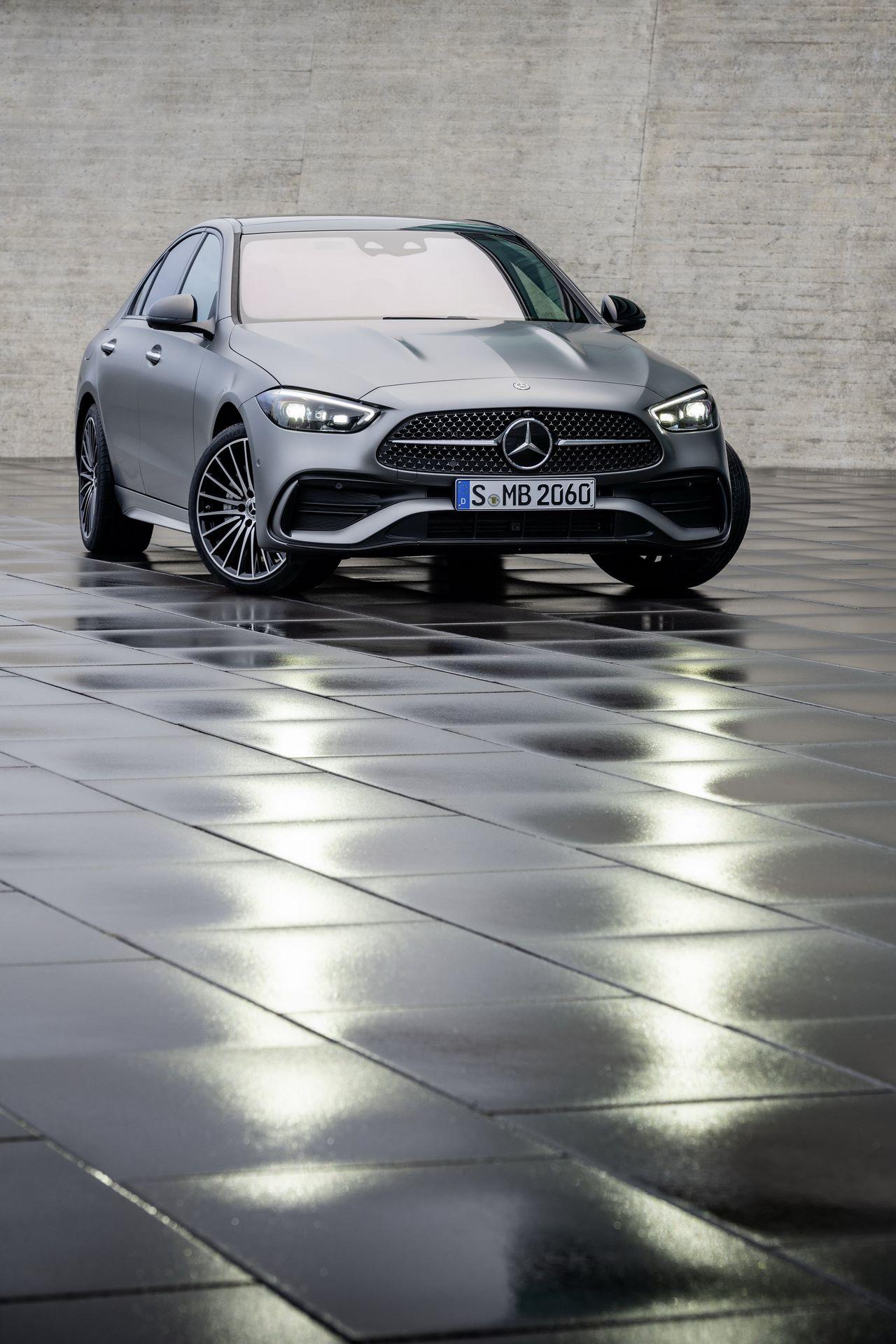 Mercedes-C-Class-2021-37