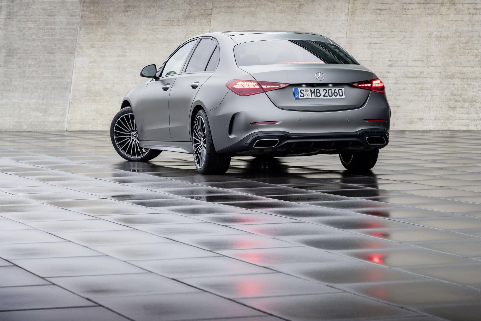 Mercedes-C-Class-2021-38