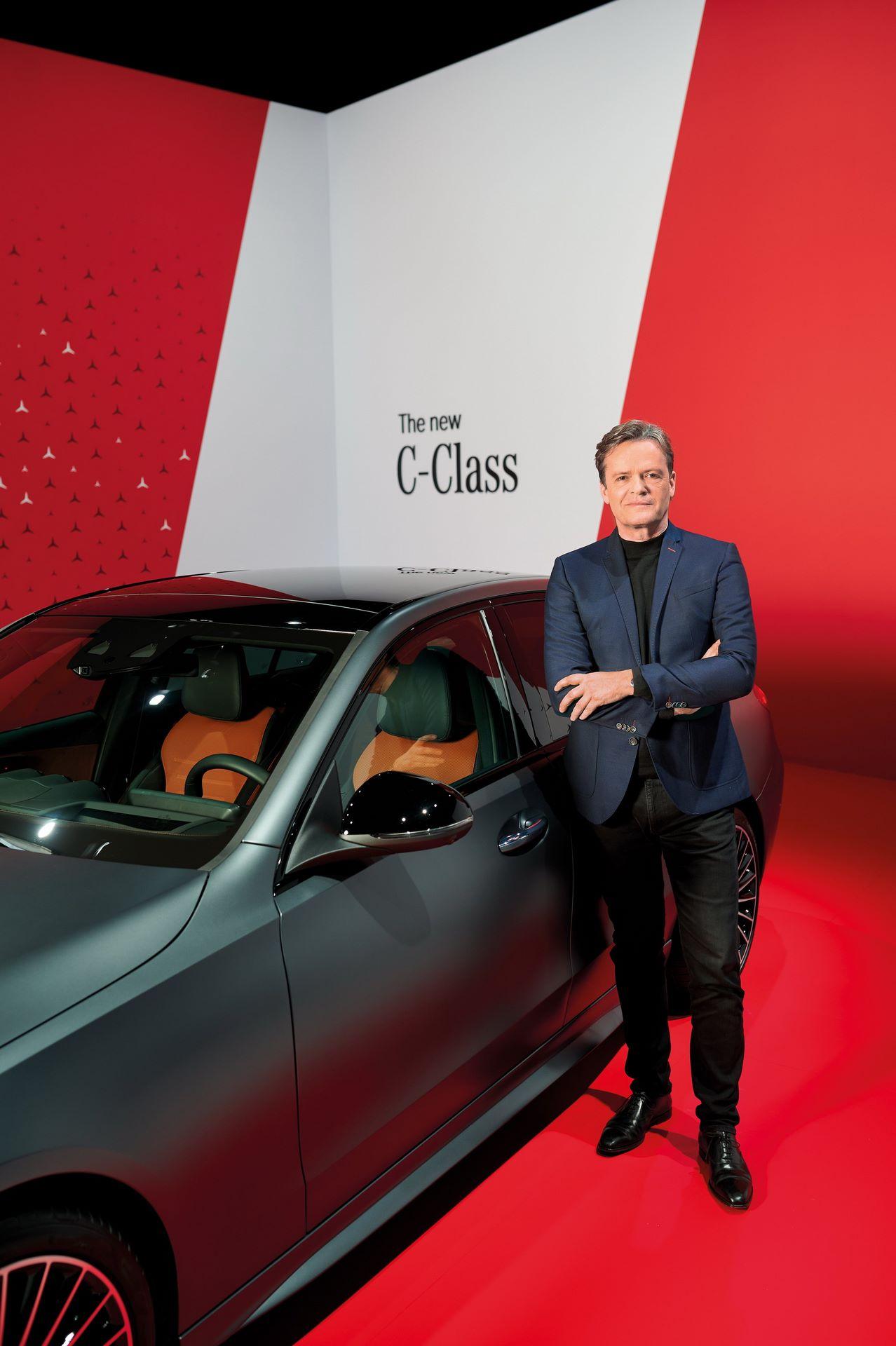 Mercedes-C-Class-2021-42