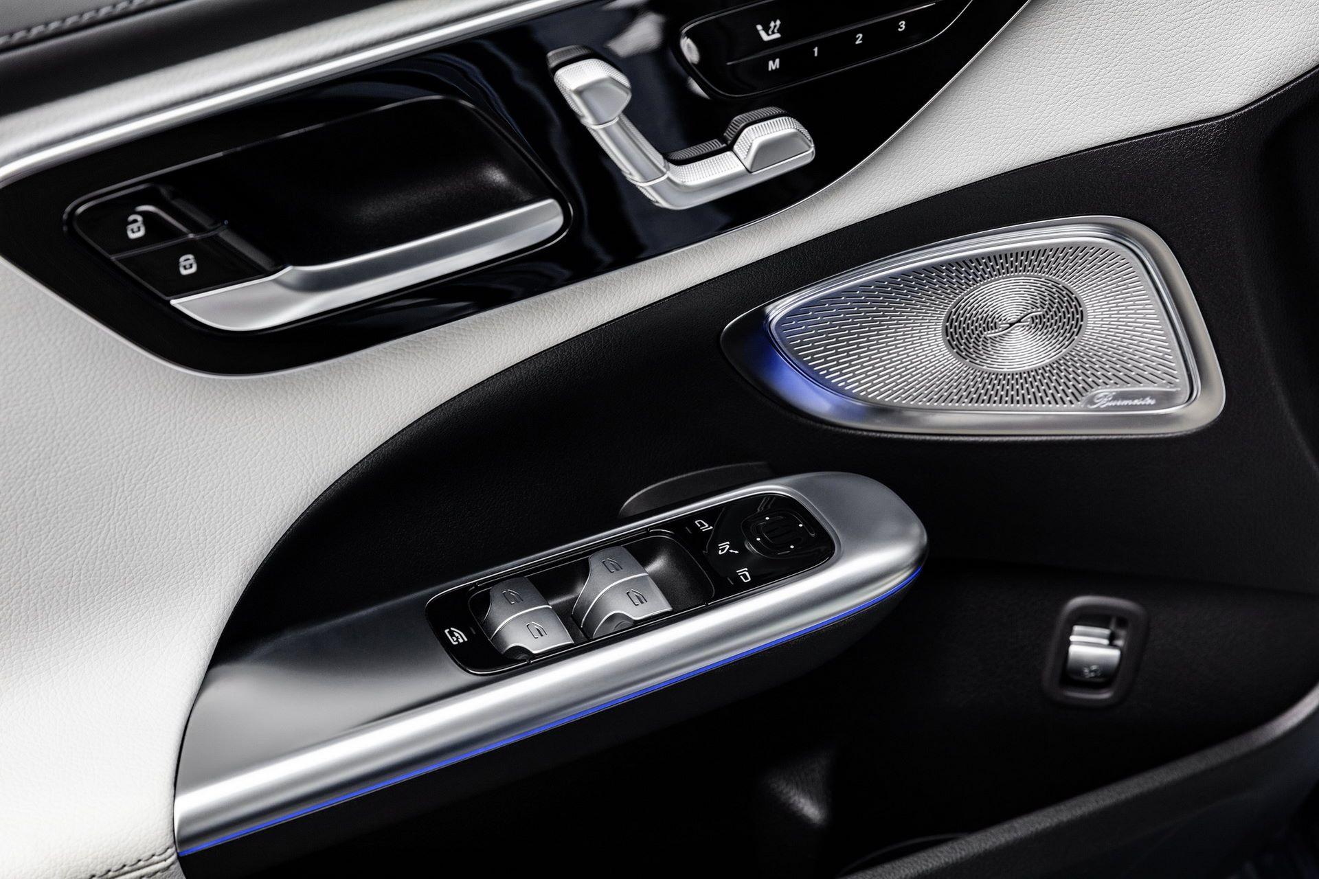 Mercedes-C-Class-2021-51