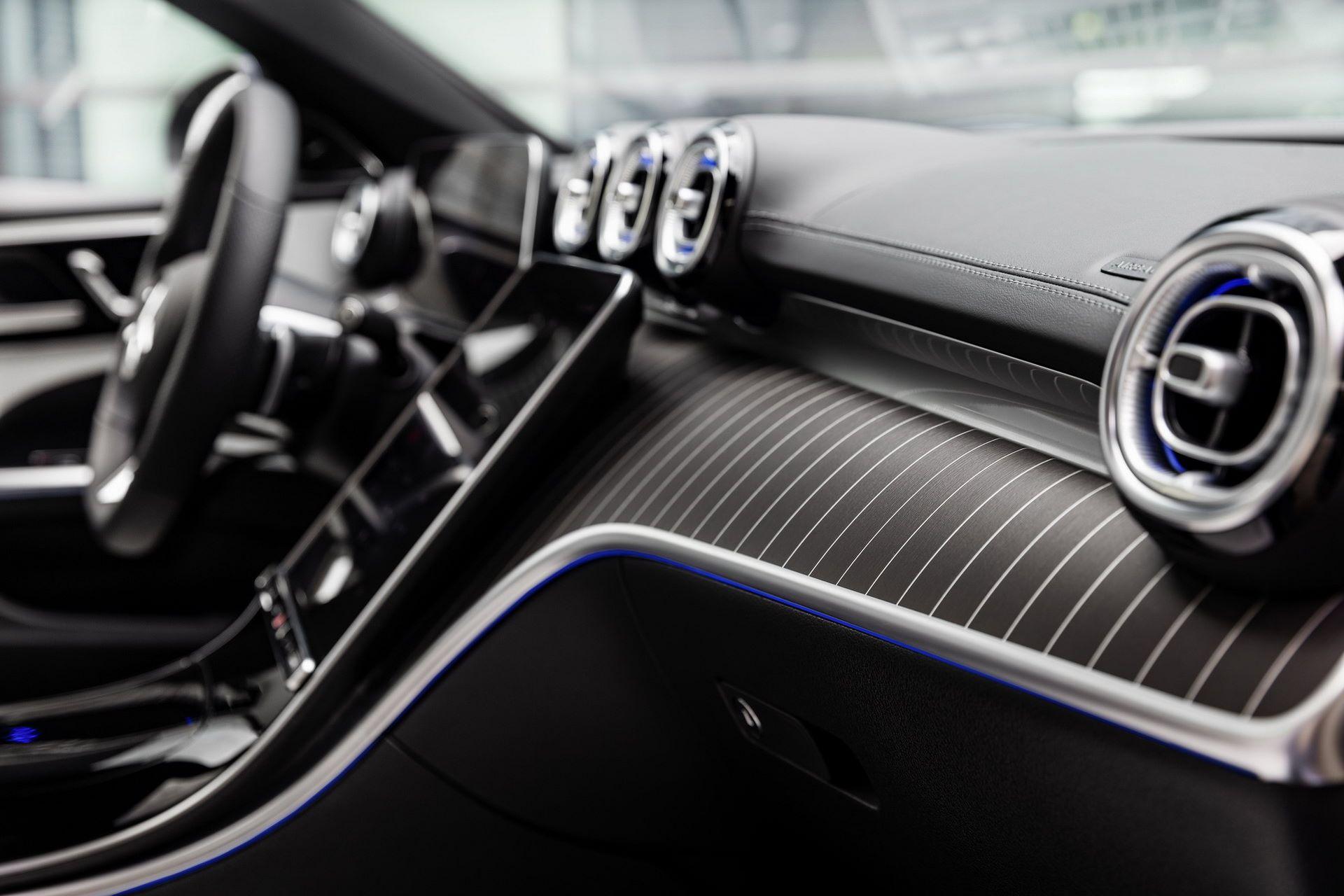 Mercedes-C-Class-2021-52