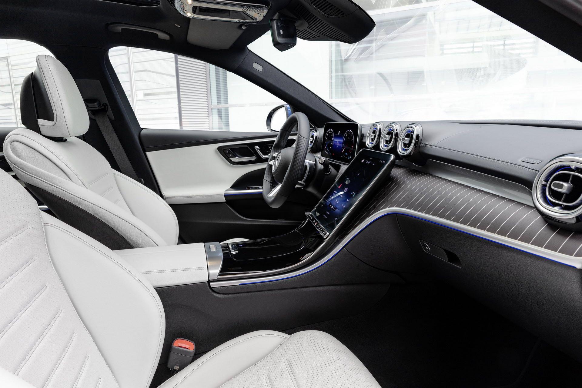 Mercedes-C-Class-2021-53
