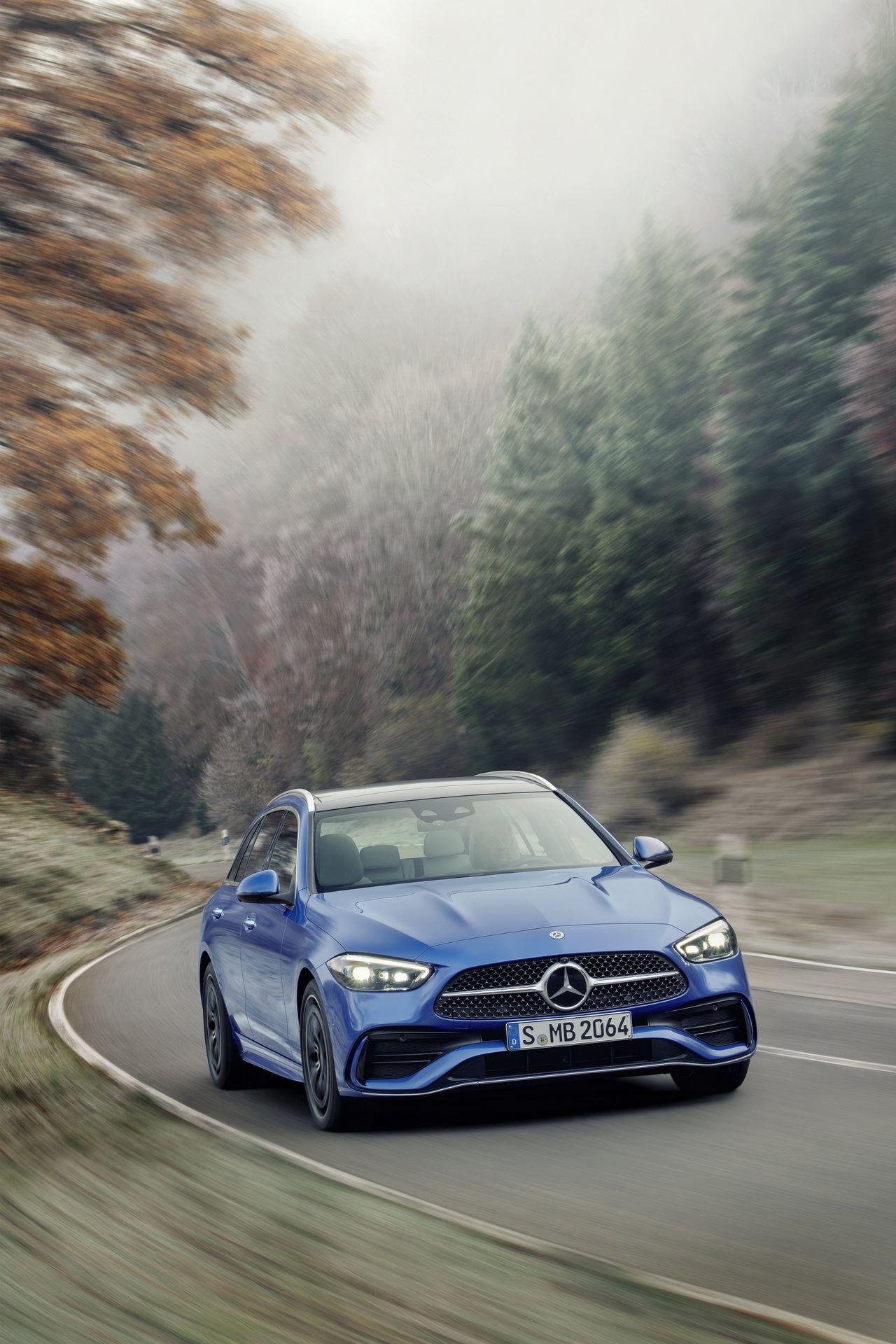 Mercedes-C-Class-2021-65
