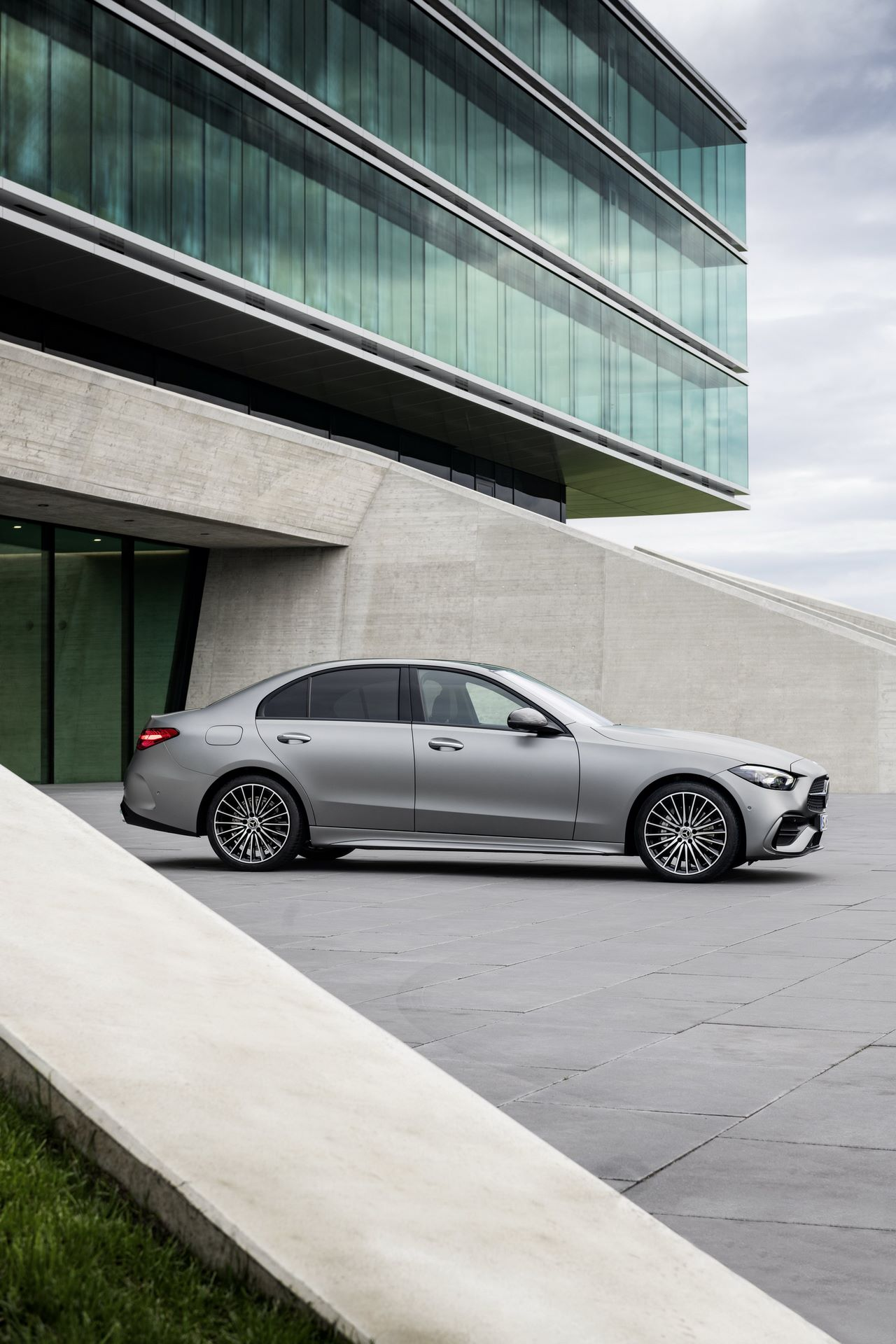 Mercedes-C-Class-2021-7