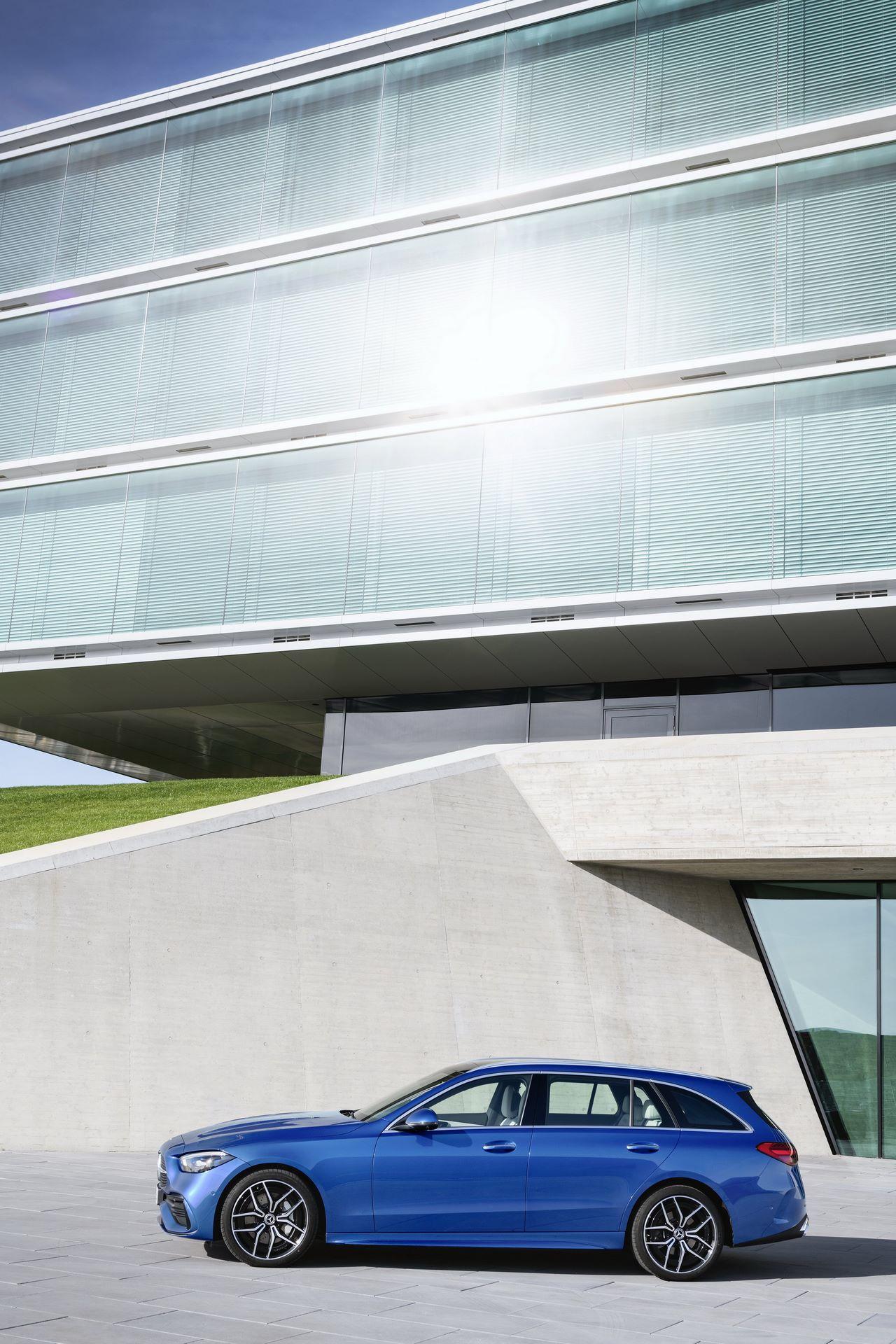 Mercedes-C-Class-2021-73