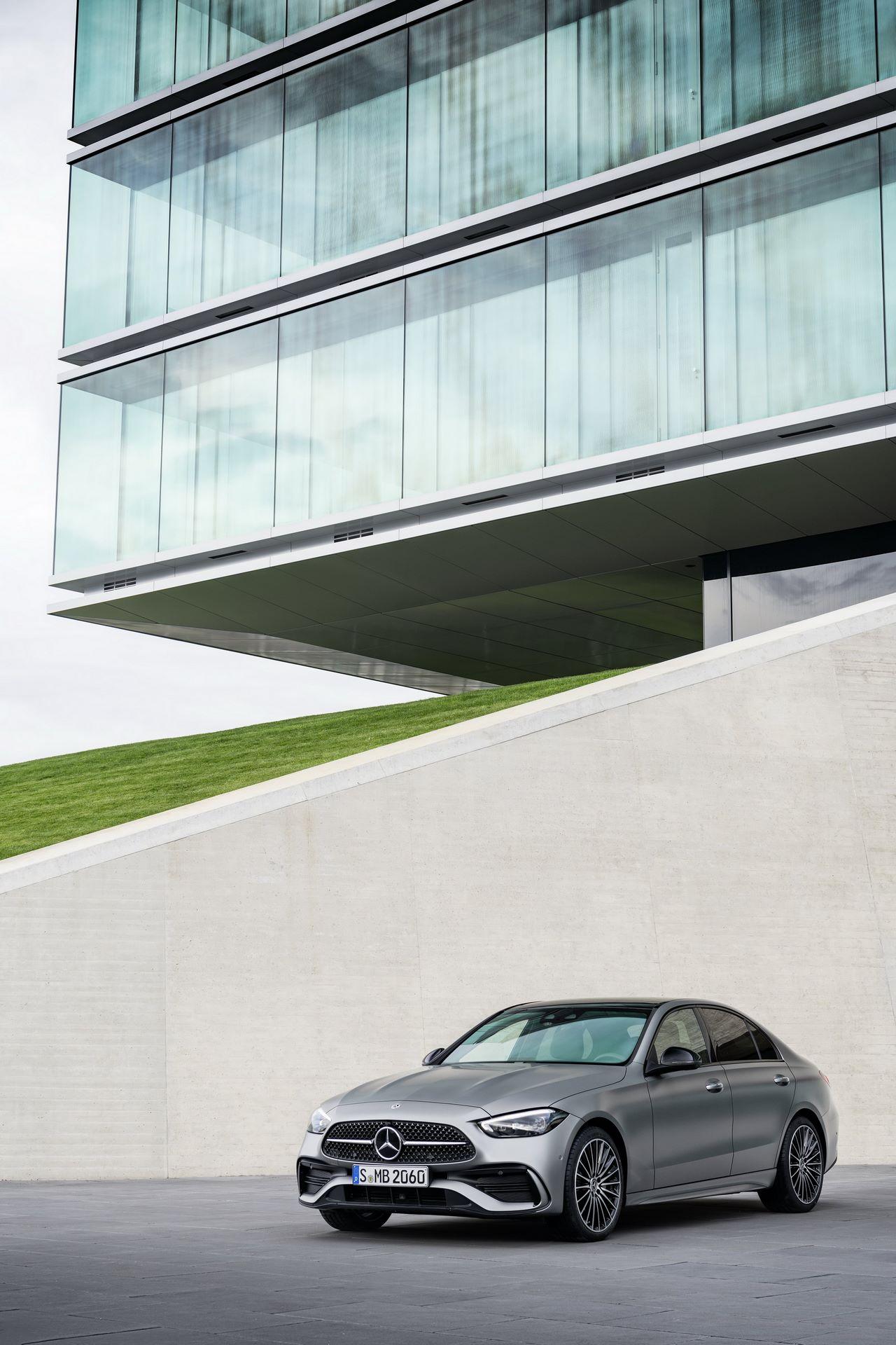 Mercedes-C-Class-2021-8