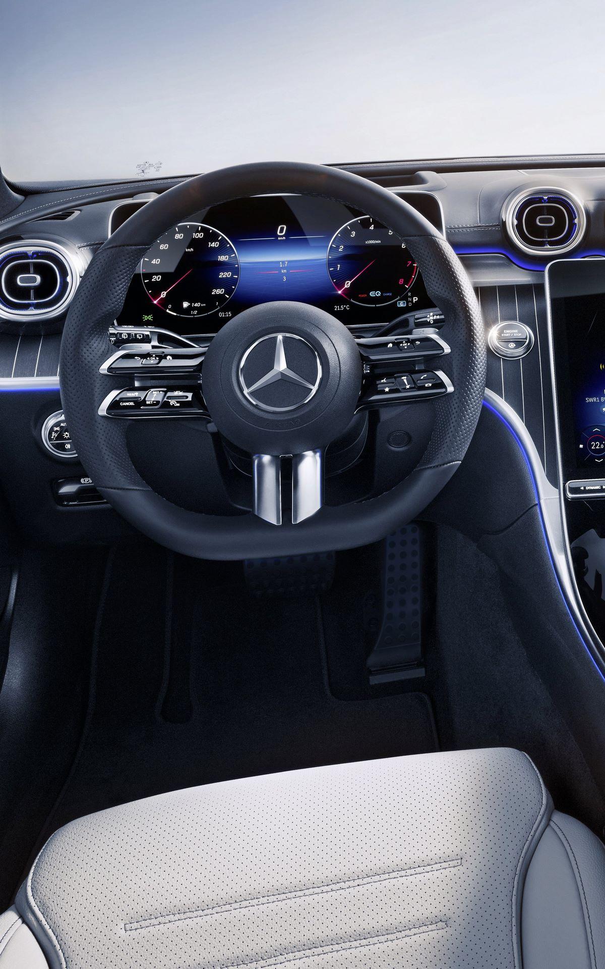 Mercedes-C-Class-2021-92