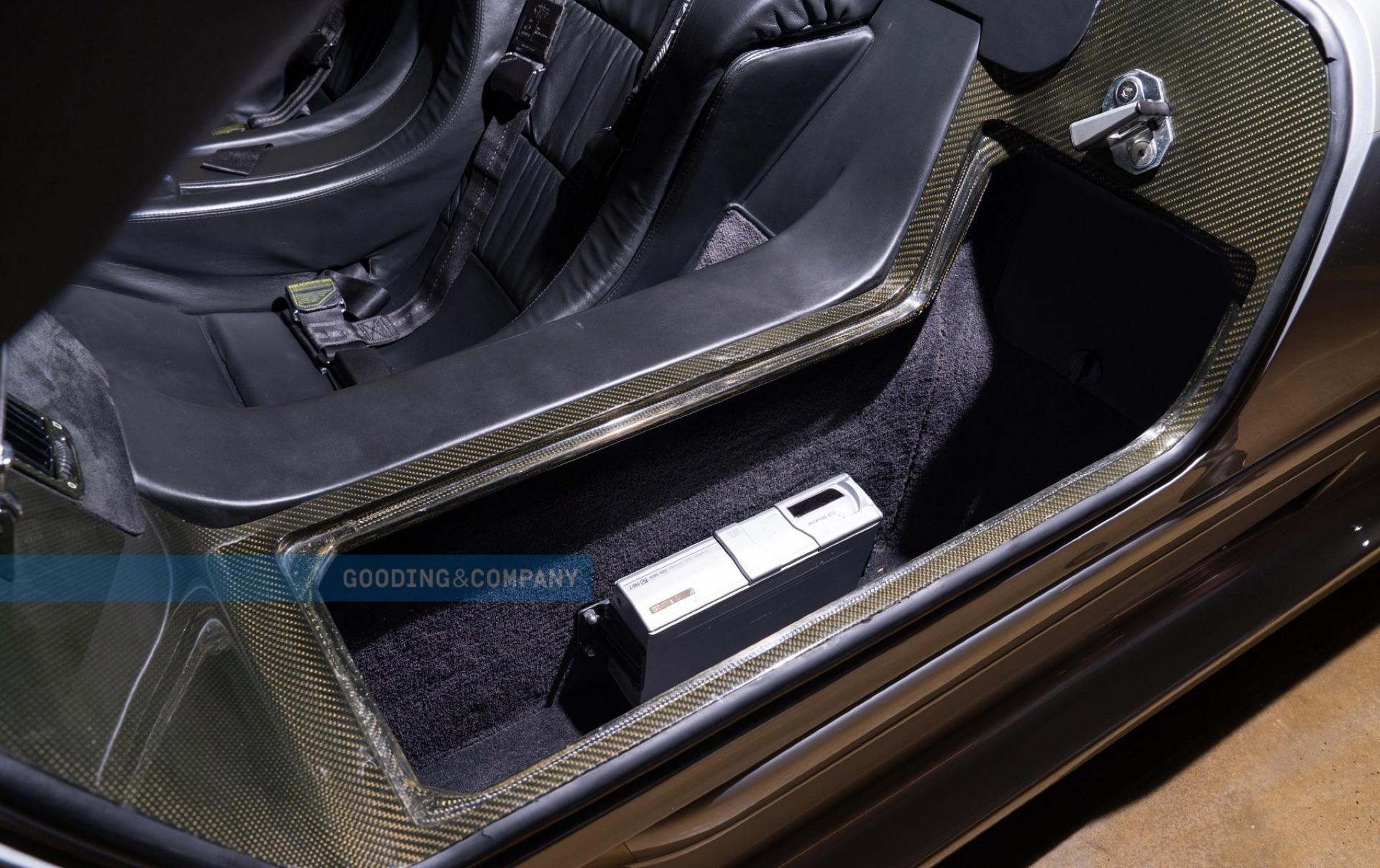 1998_Mercedes-Benz_CLK_GTR_sale-0011