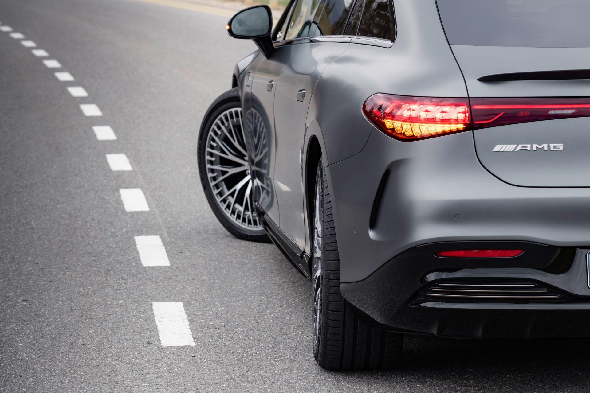 Mercedes-AMG-EQS-53-30