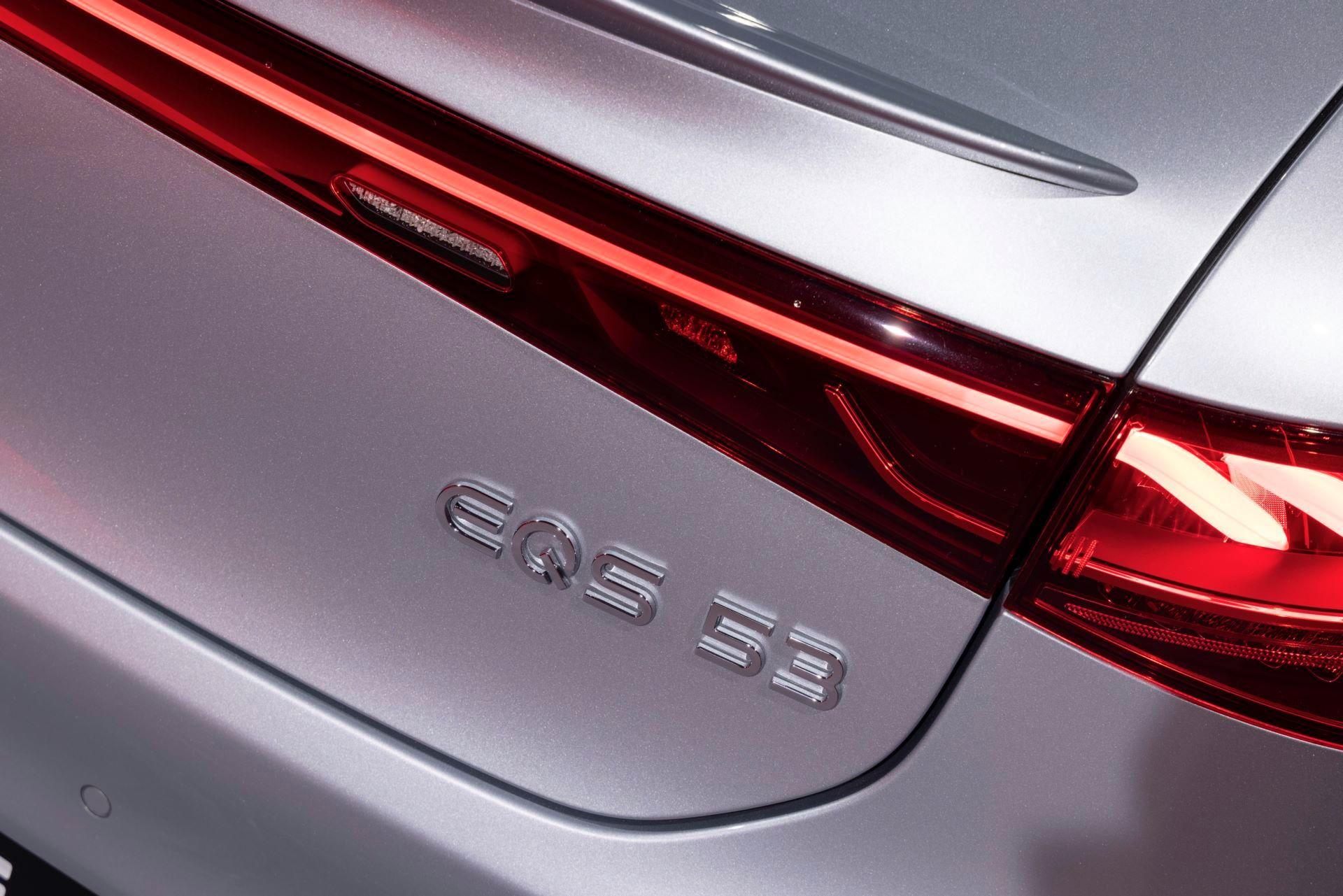 Mercedes-AMG-EQS-53-46