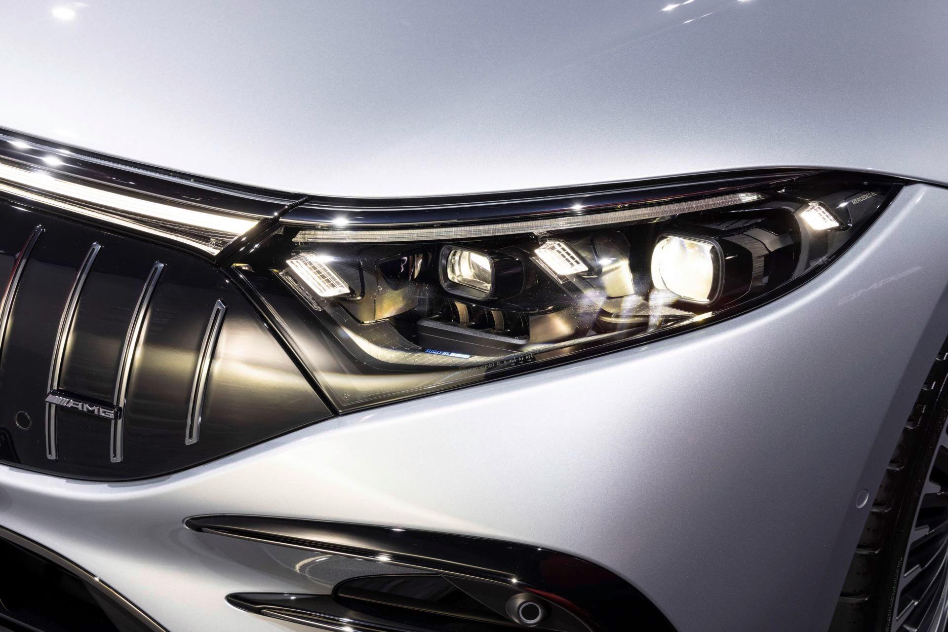Mercedes-AMG-EQS-53-48