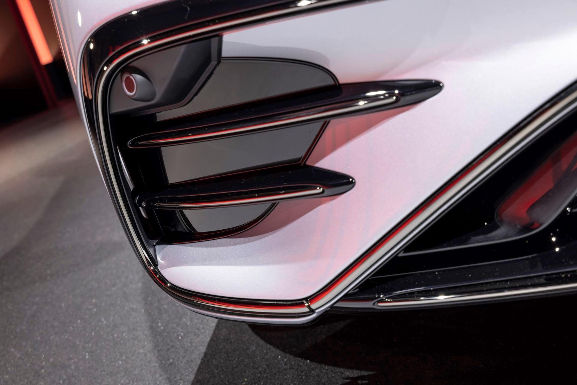 Mercedes-AMG-EQS-53-52