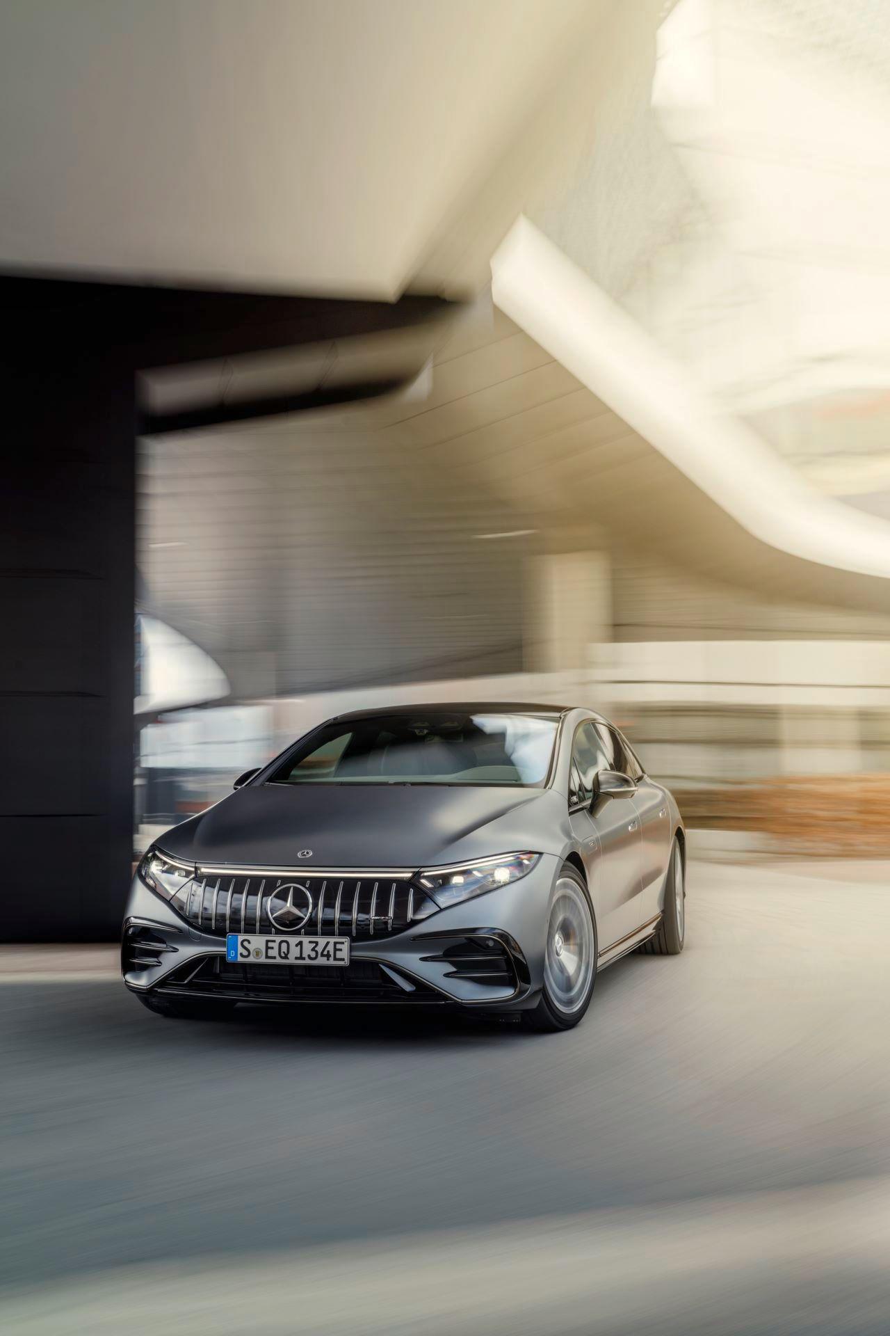 Mercedes-AMG-EQS-53-7